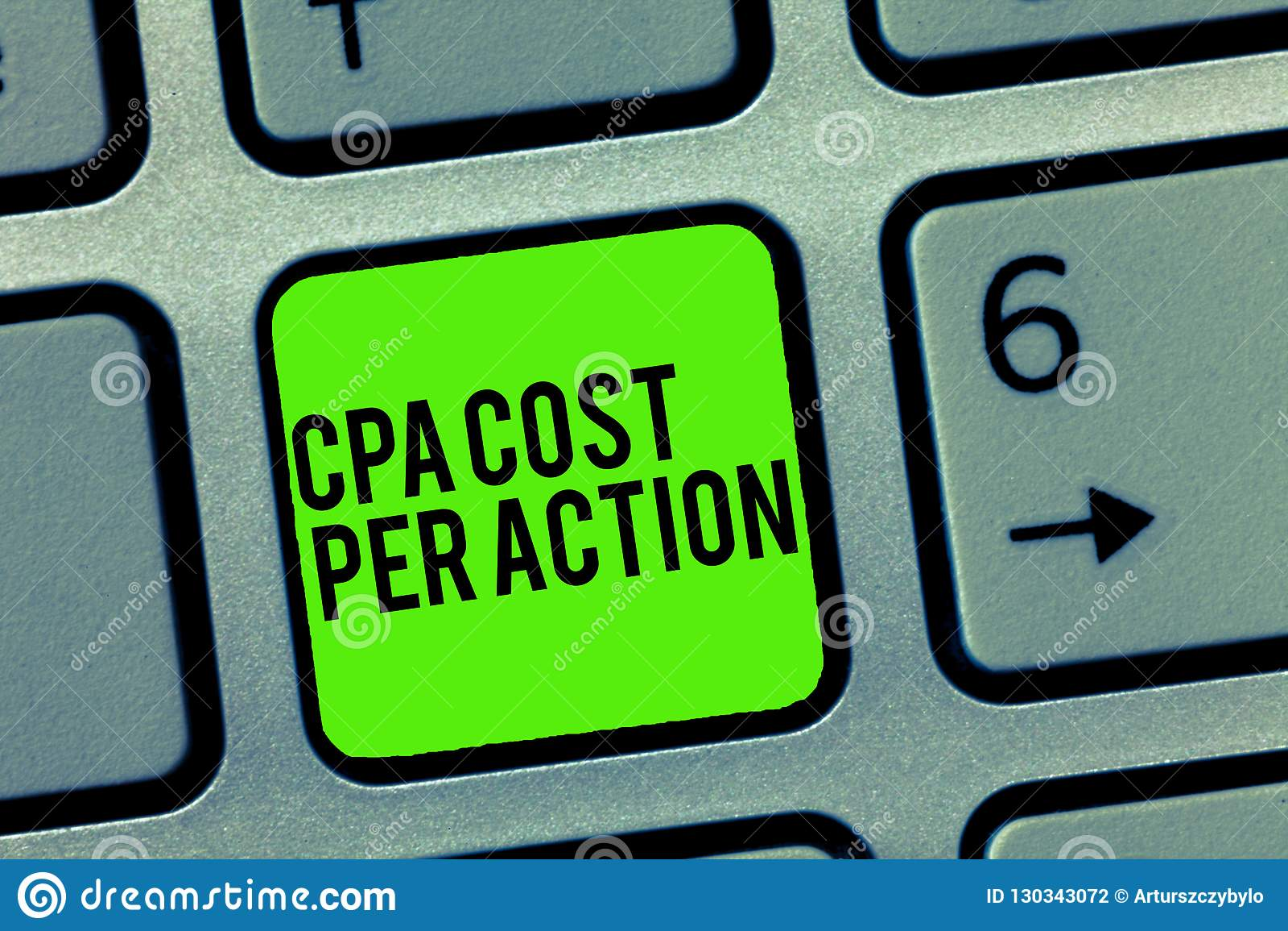 Segno del testo che mostra costo di Cpa per azione Commissione concettuale della foto pagata quando l utente clicca su un collega