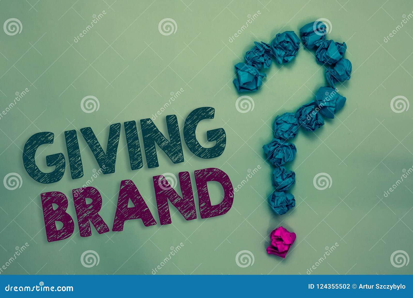 Segno del testo che mostra dando marca La foto concettuale il processo di dare un nome ai prodotti o ai servizi di una società ha