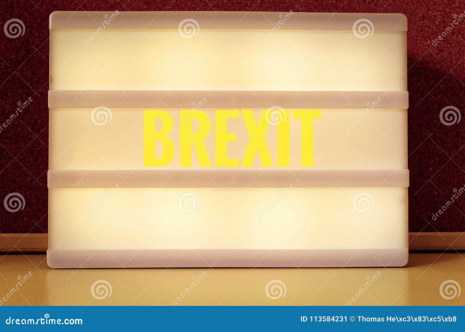 Segno luminoso con l iscrizione in tedesco Brexit, simbolizzante il ritiro della Gran Bretagna dall UE