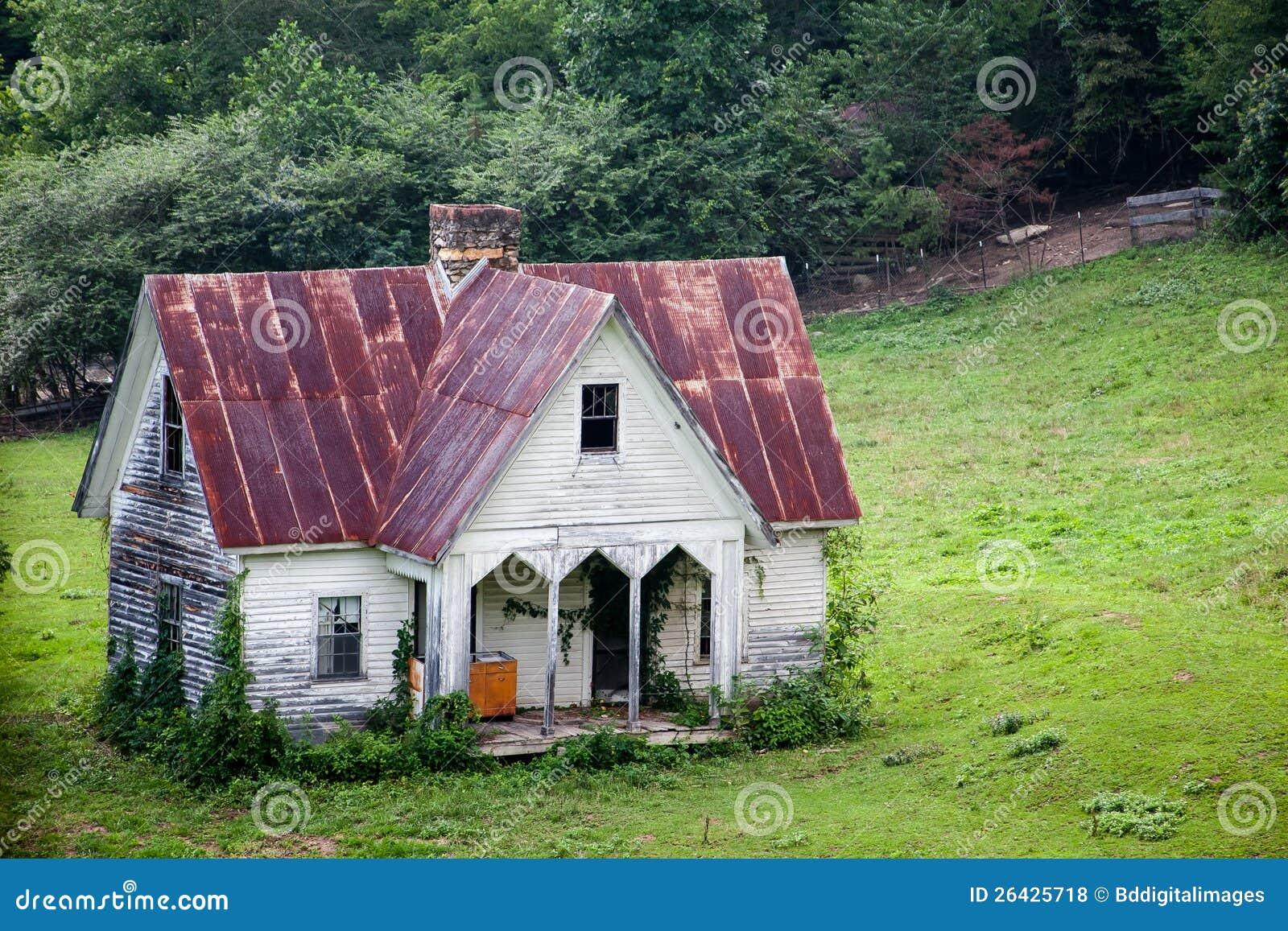 Sehr altes land haus lizenzfreie stockfotos bild 26425718 for Old country homes