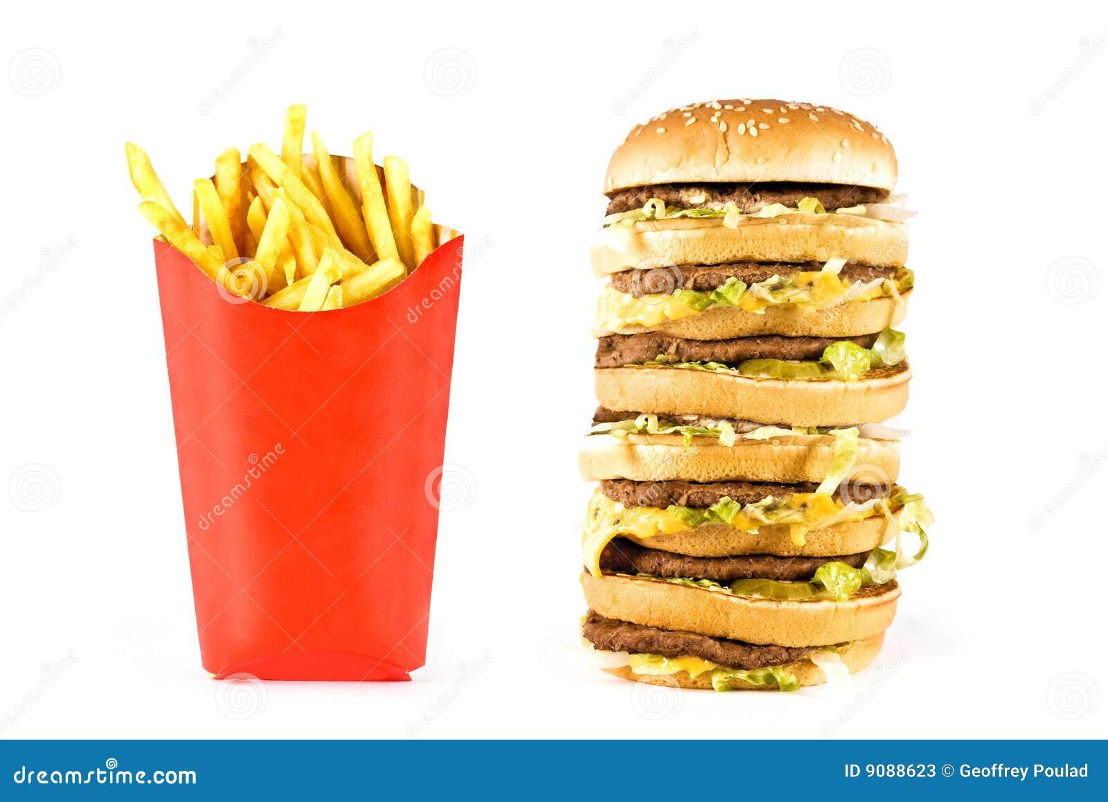 Sehr großer dreifacher Cheeseburger und Pommes-Frites