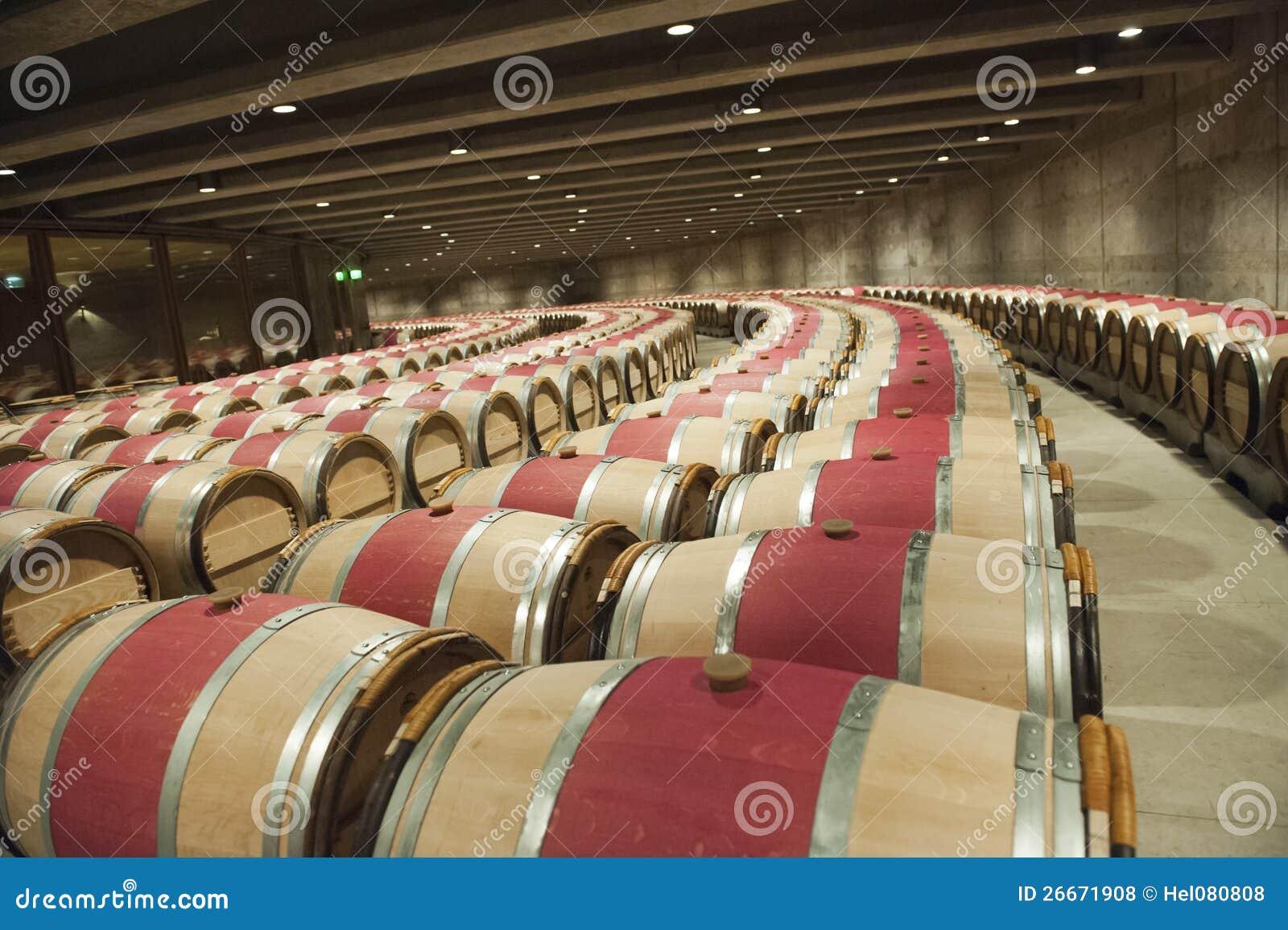 Moderner weinkeller  Moderner Weinkeller Stockfotos – 36 Moderner Weinkeller ...