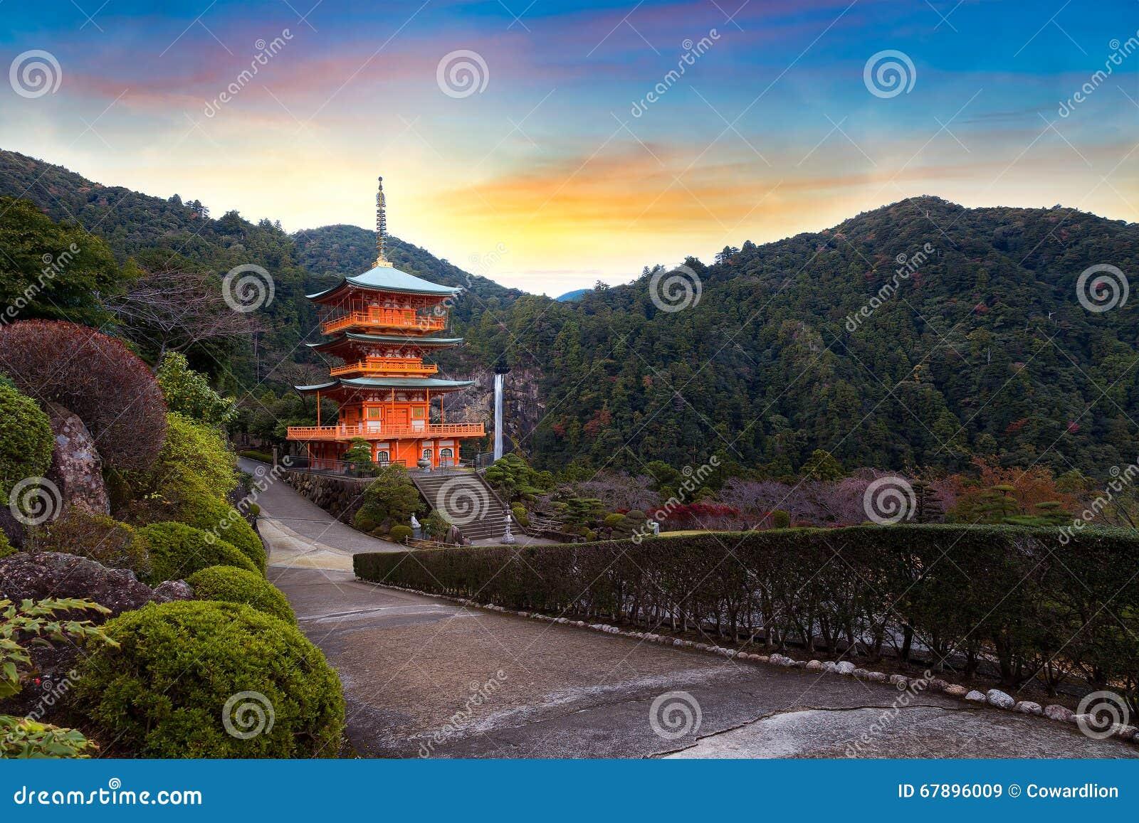 Seiganto籍寺庙塔在Nachi Katsuura的