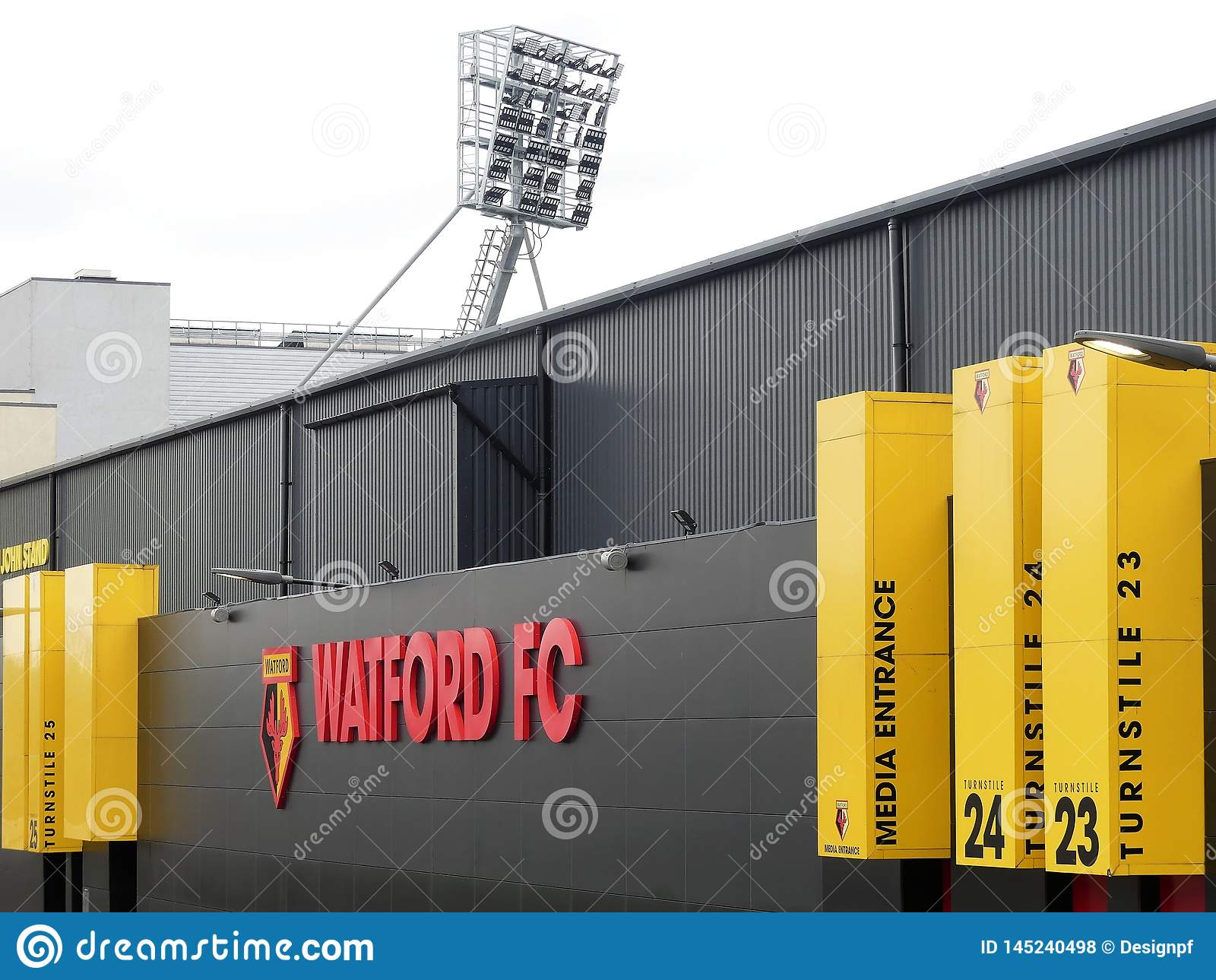 Seitenwand des Watford-Fußball-Vereinstadions, Besetzungs-Straße, Watford