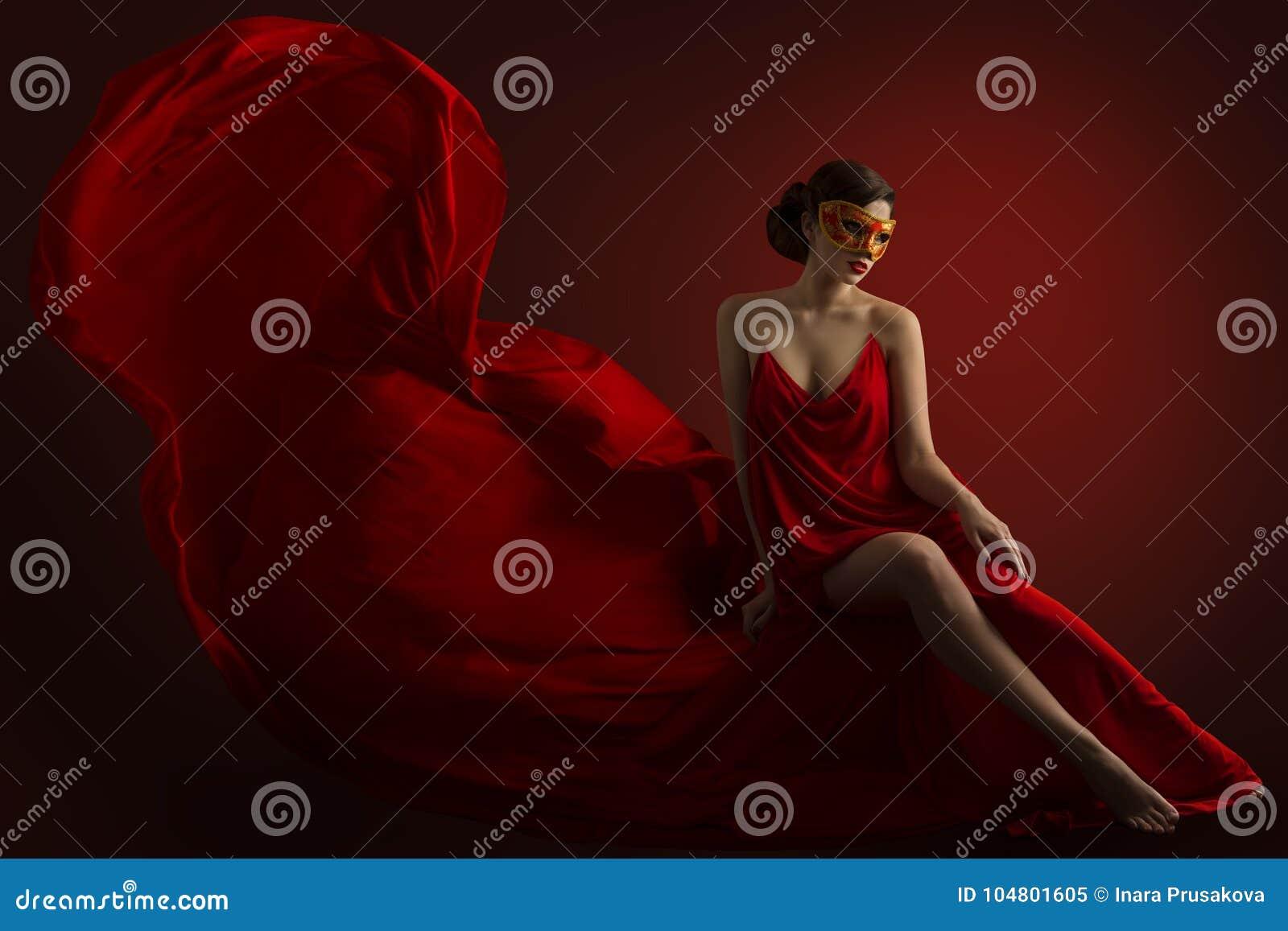 Seksowna kobieta karnawału maska, Zmysłowy moda model w Jedwabniczej todze