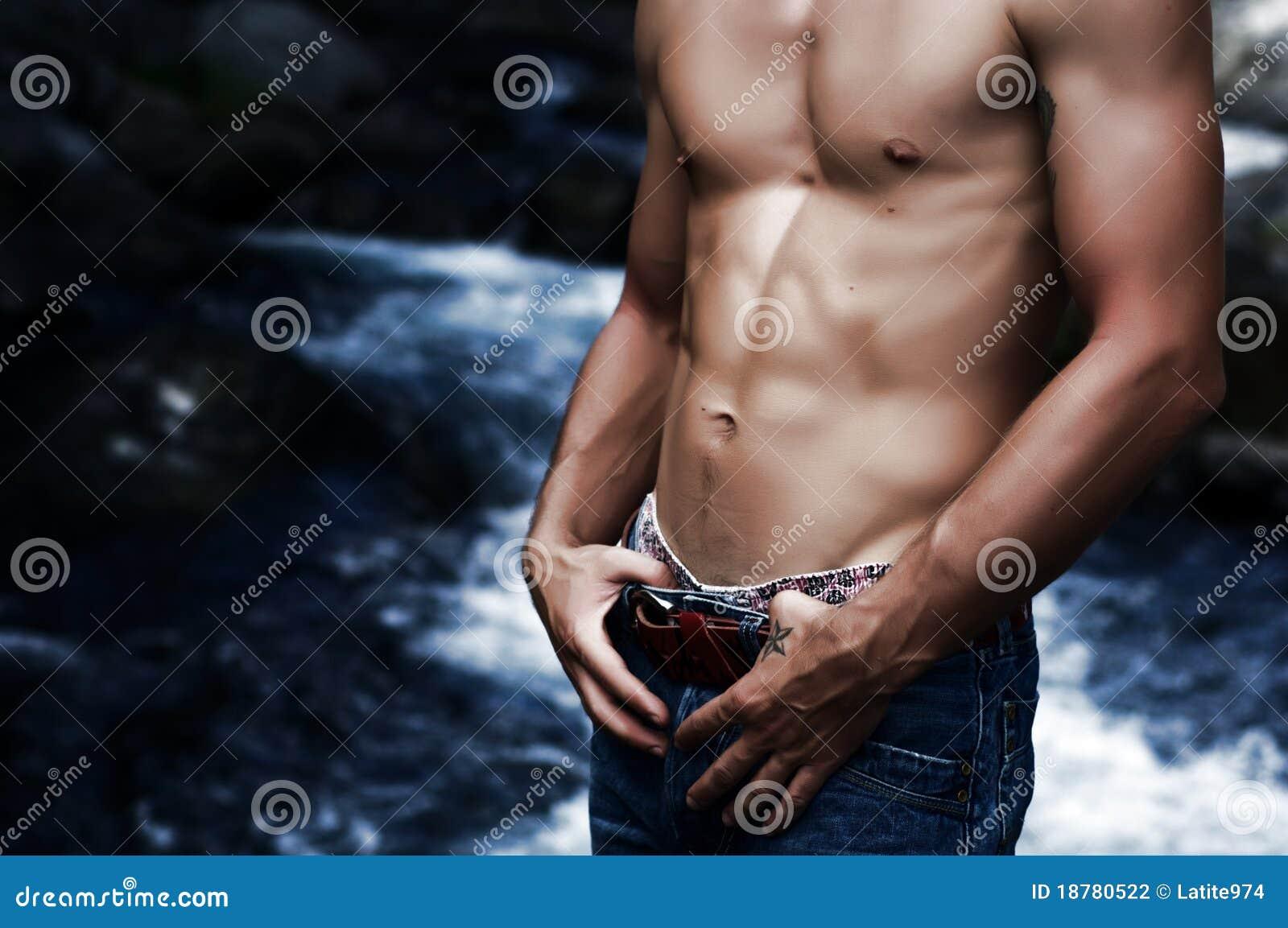 Seksowny mężczyzna żołądek