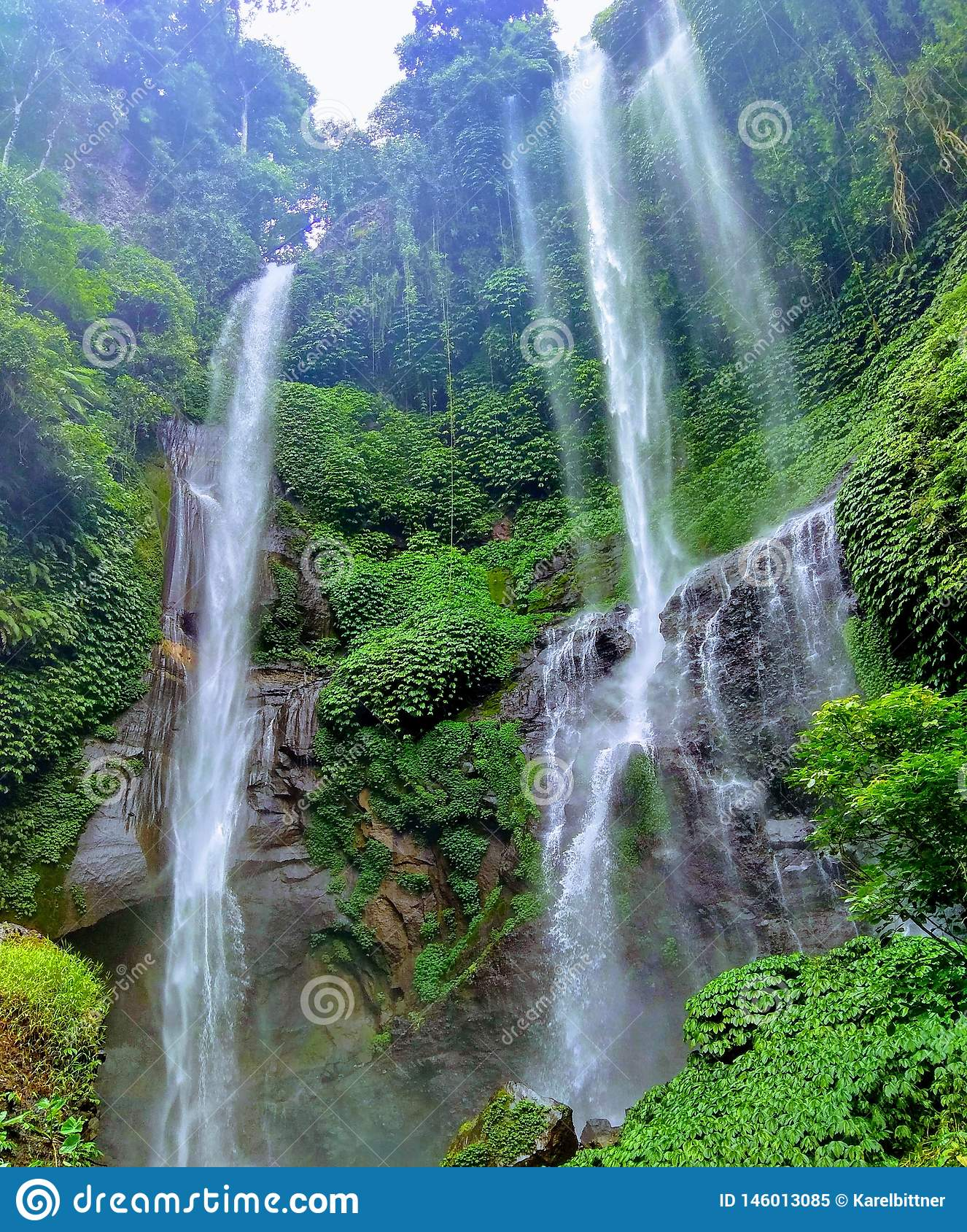 Sekumpul est la plus grande cascade en île de Bali