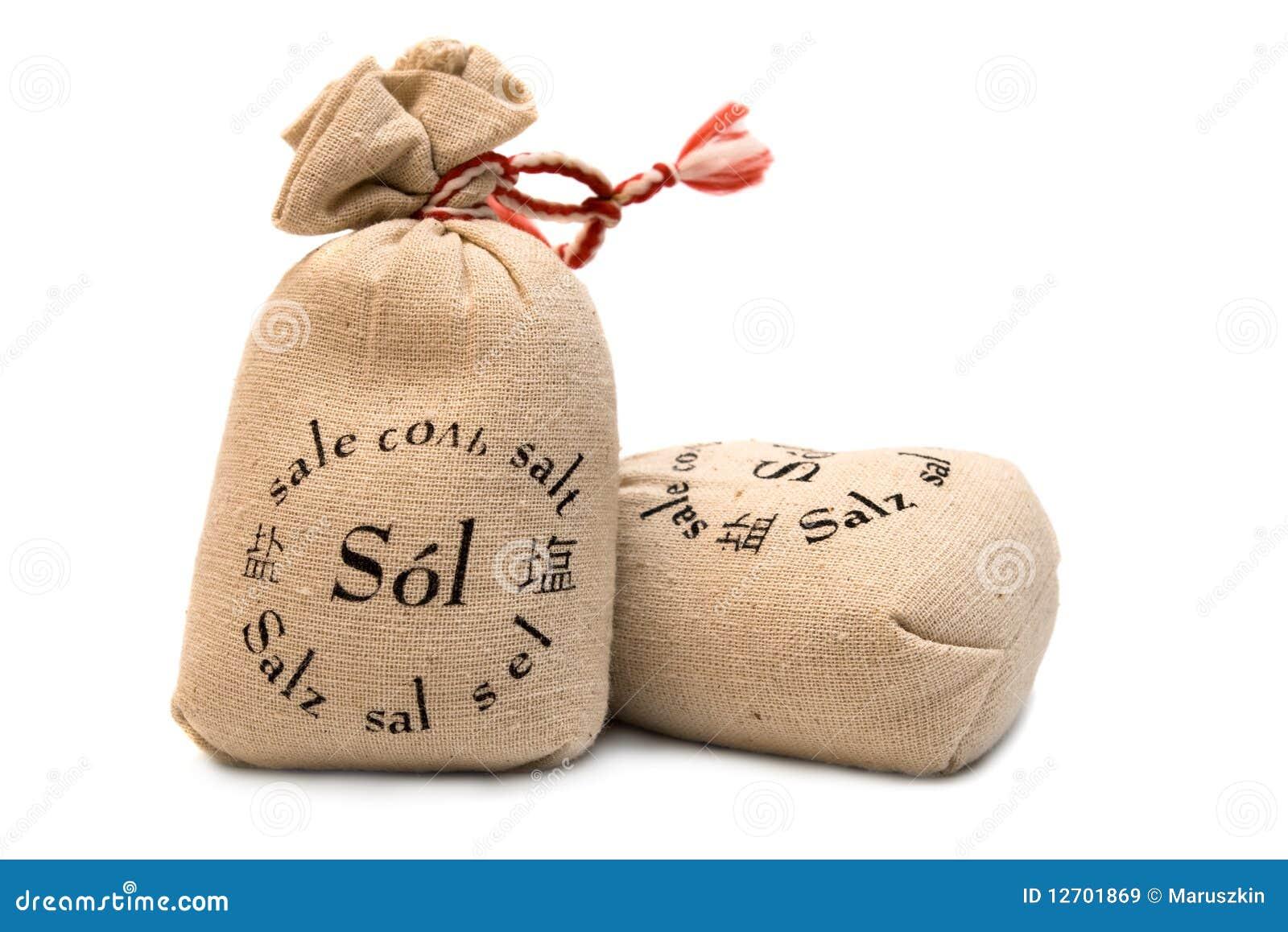 Sel dans des sacs de toile images libres de droits image for Sac de sel piscine