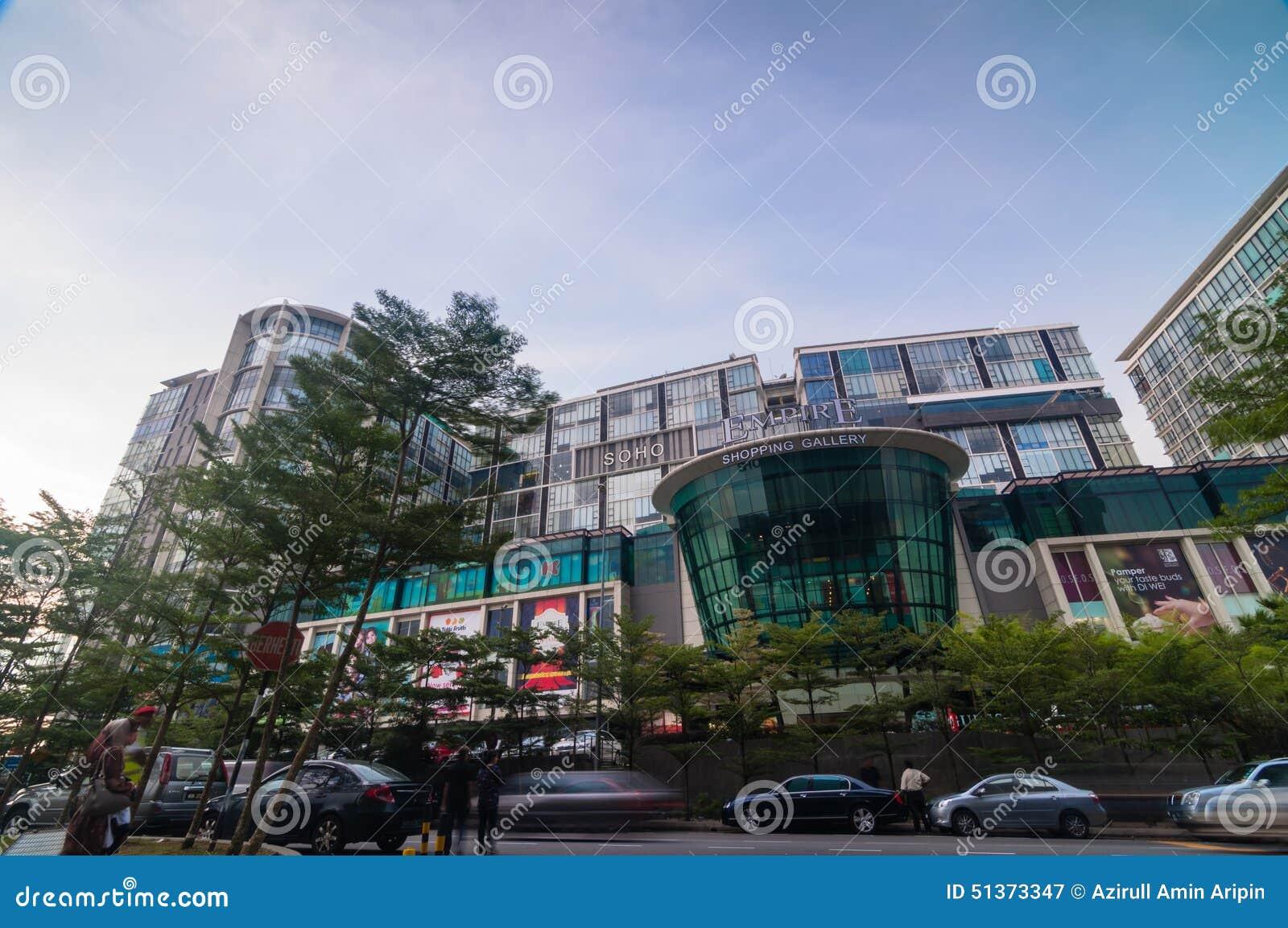 SELANGOR - 18 MAI : C est nouvelle galerie d achats d empire d appel de centre commercial le 18 mai 2012 dans Subang Jaya, Selang