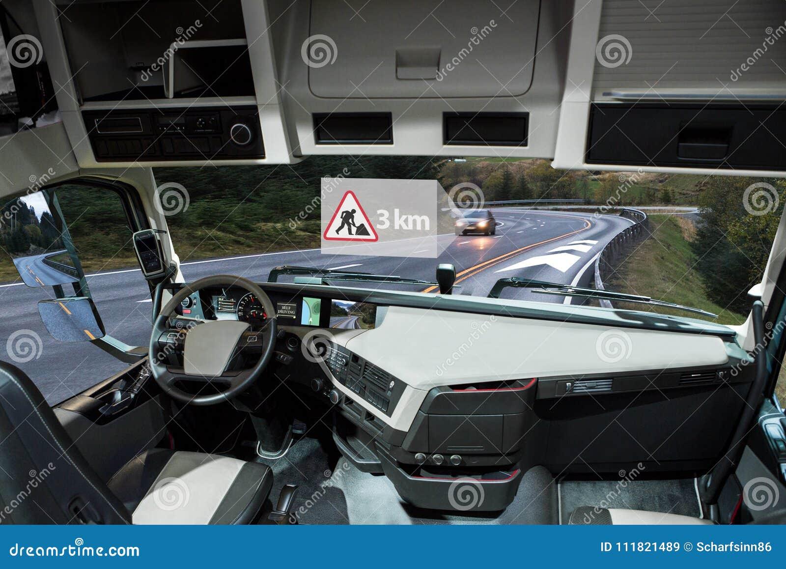 Selbst, der LKW auf einer Straße fährt Fahrzeug zur Fahrzeugkommunikation