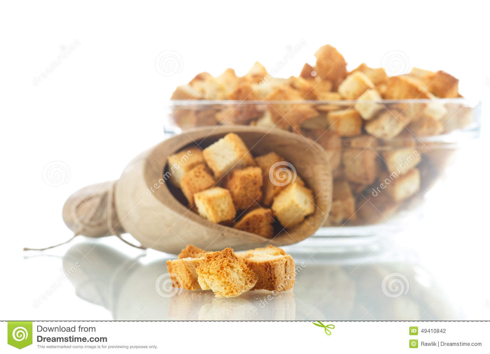 Download Selbst Gemachte Croutons Des Gebratenen Brotes Stockfoto - Bild von gebacken, schnell: 49410842
