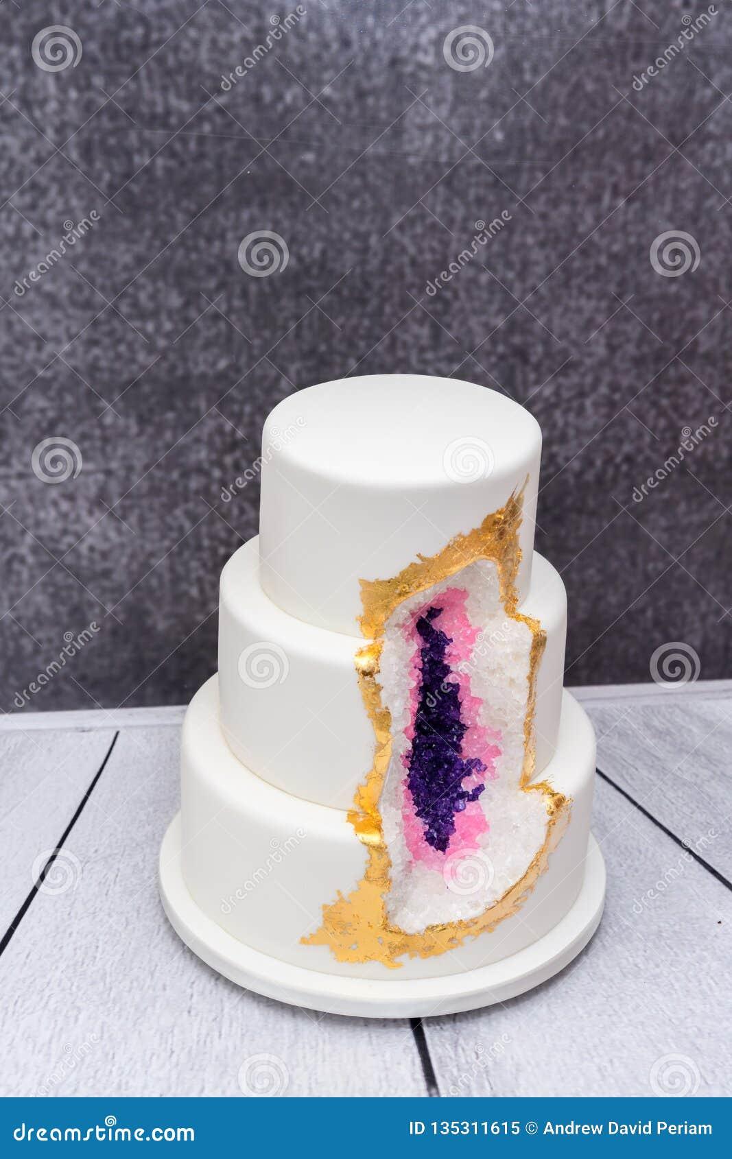 Selbst gemachte Druse Hochzeitstorte