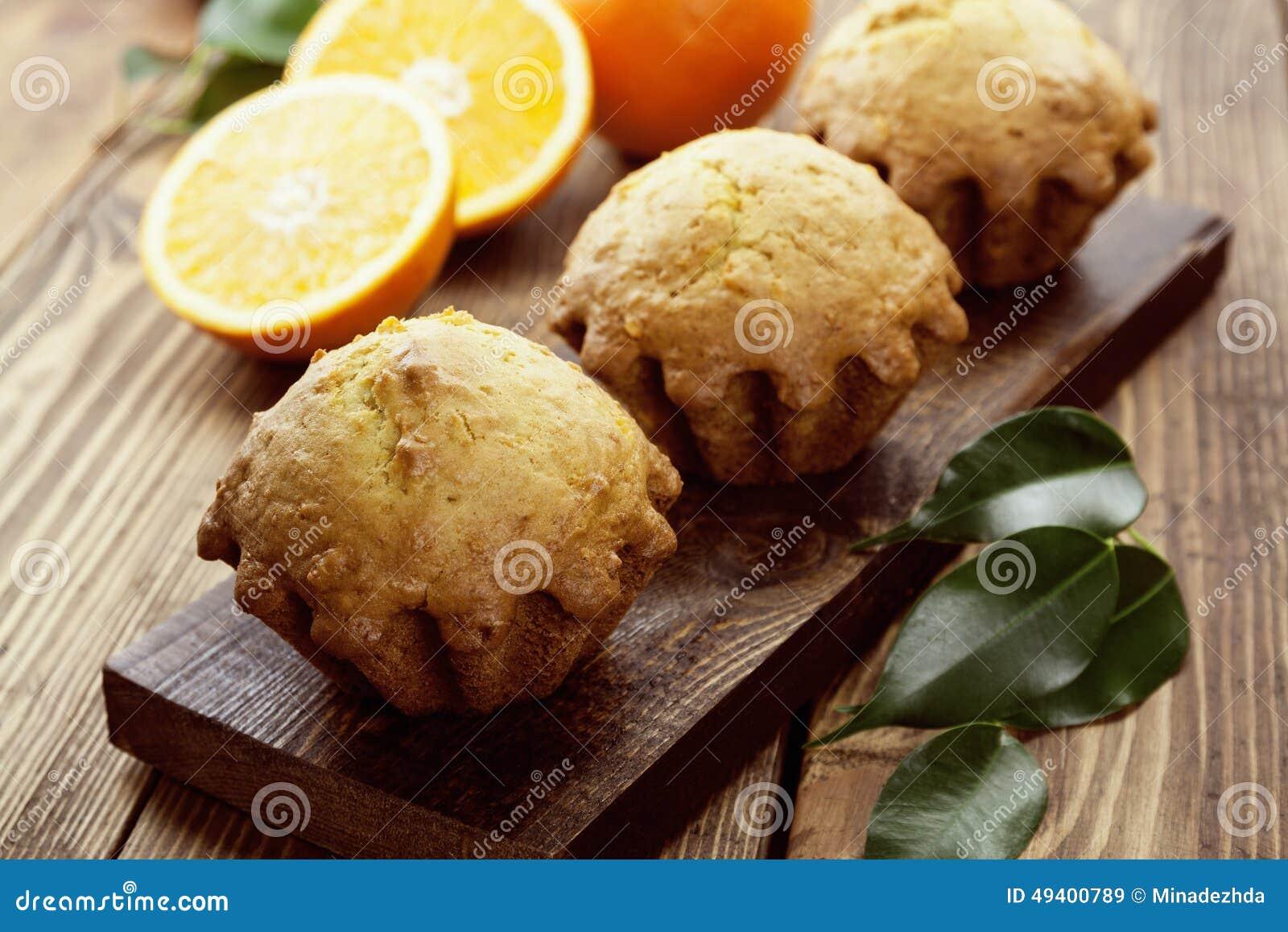 Download Selbst Gemachte Orange Muffins Stockbild - Bild von gelb, küche: 49400789