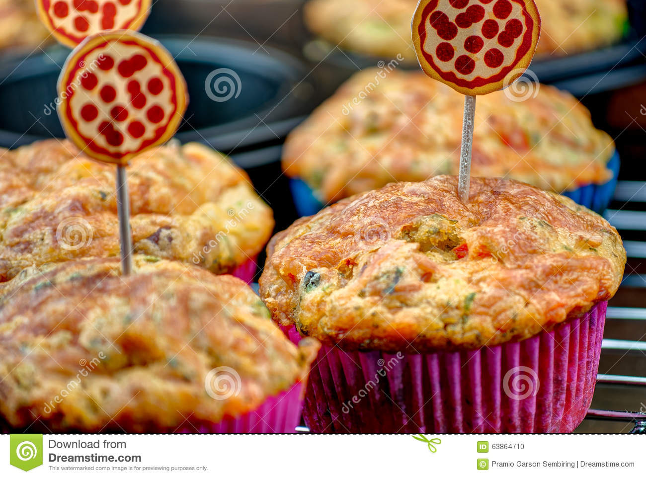 Selbst gemachter Pizza-Muffin-Snack