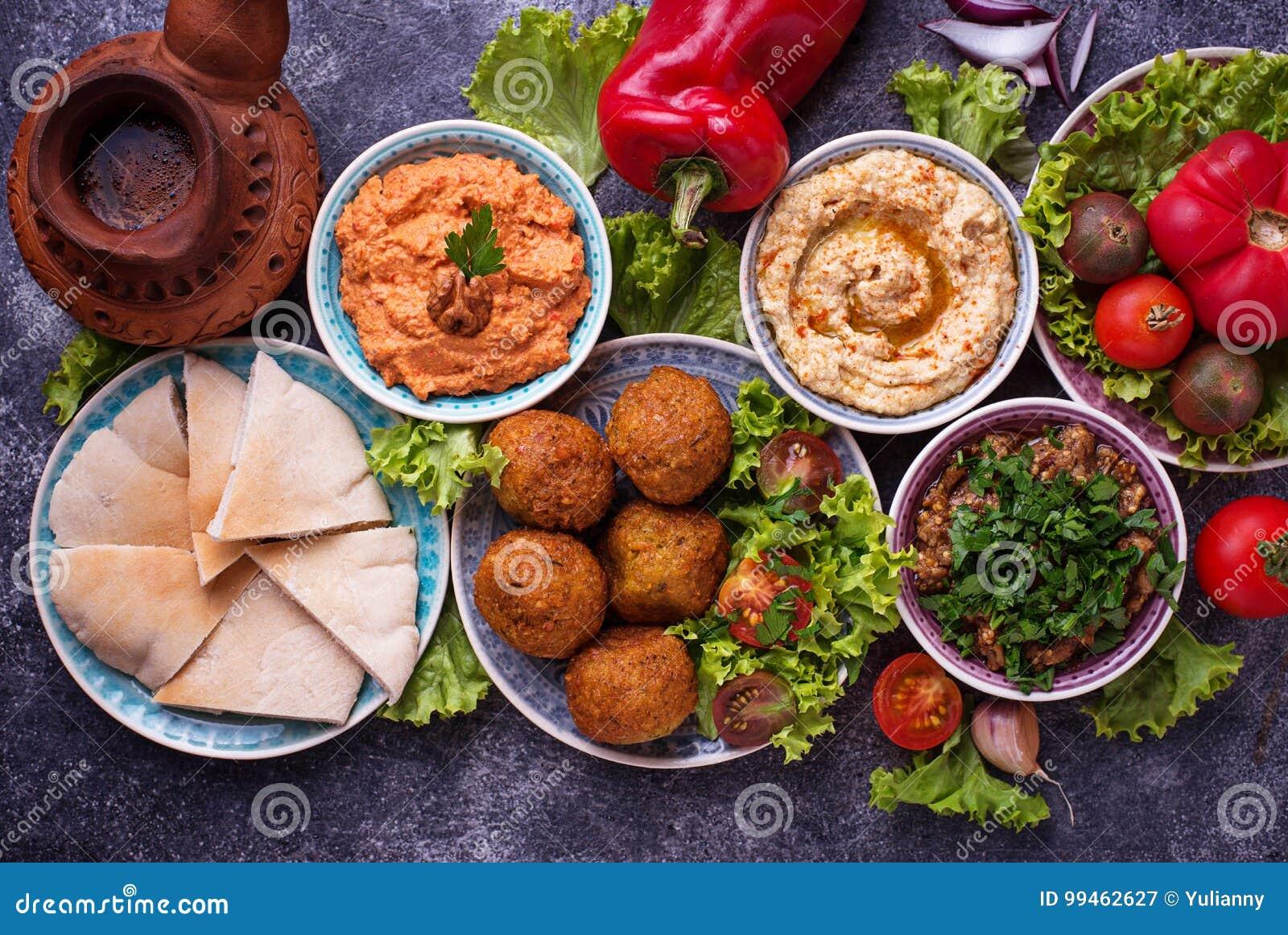Seleção de pratos do Oriente Médio ou árabes