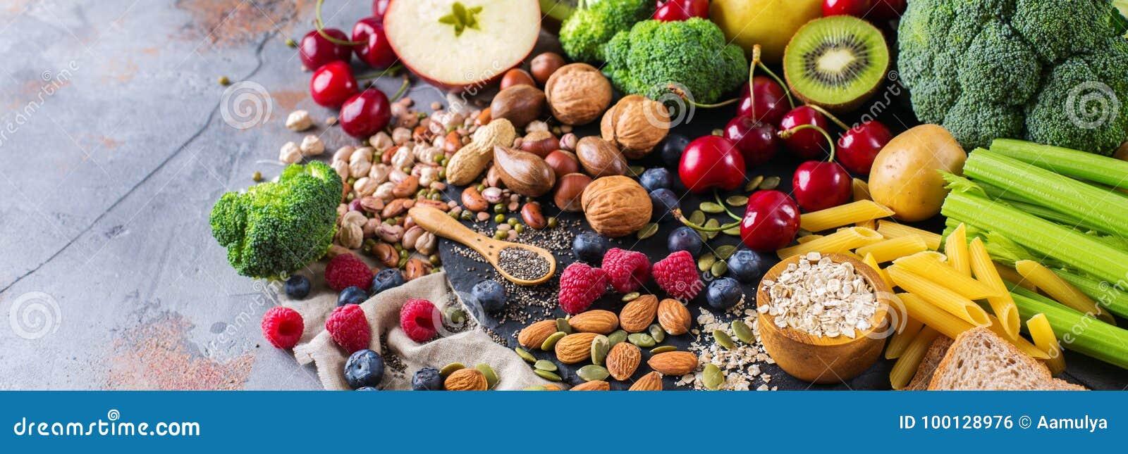 Seleção do alimento rico saudável do vegetariano das fontes da fibra para cozinhar