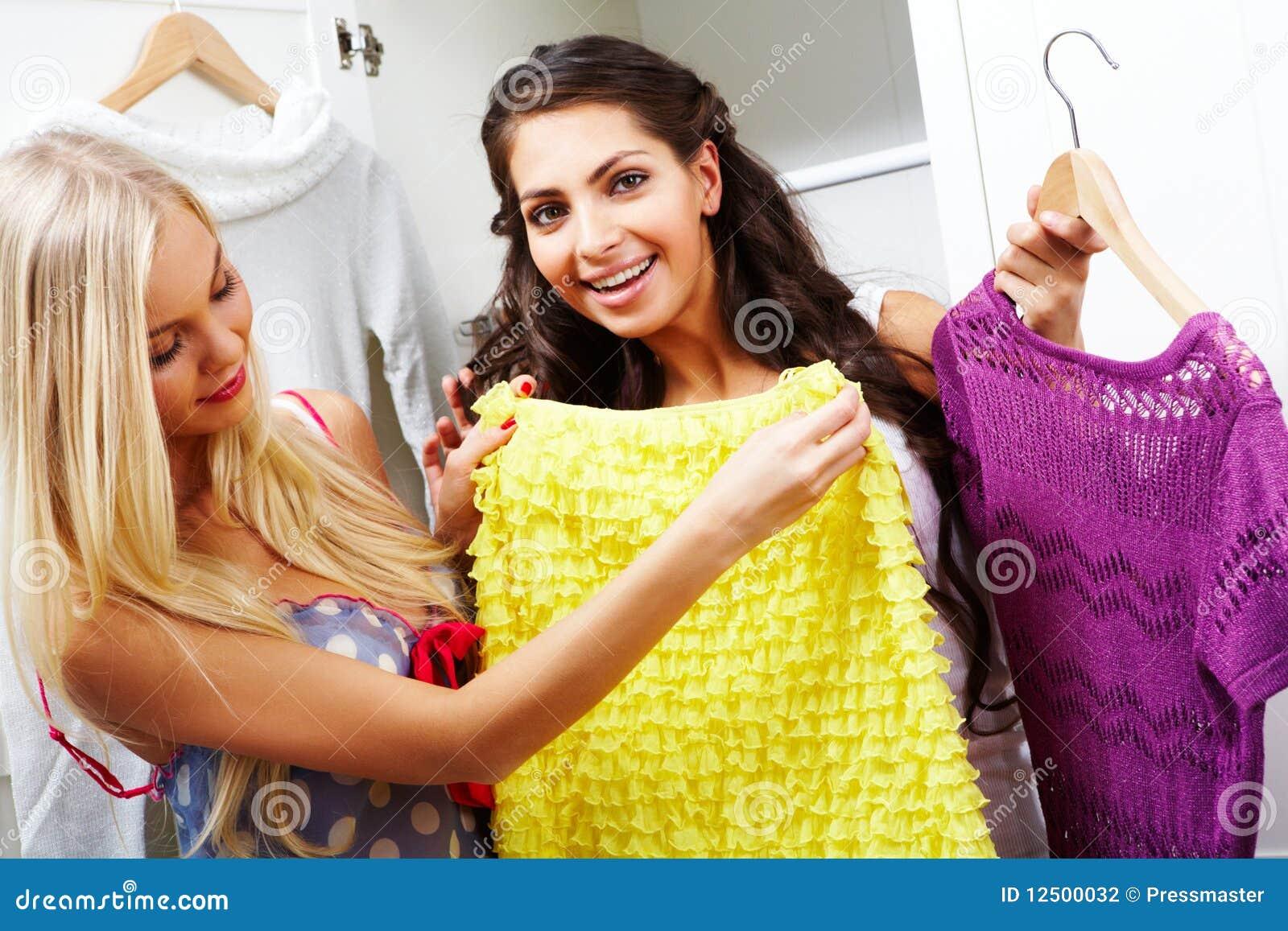 Фото мамы в одежде и без одежды 23 фотография