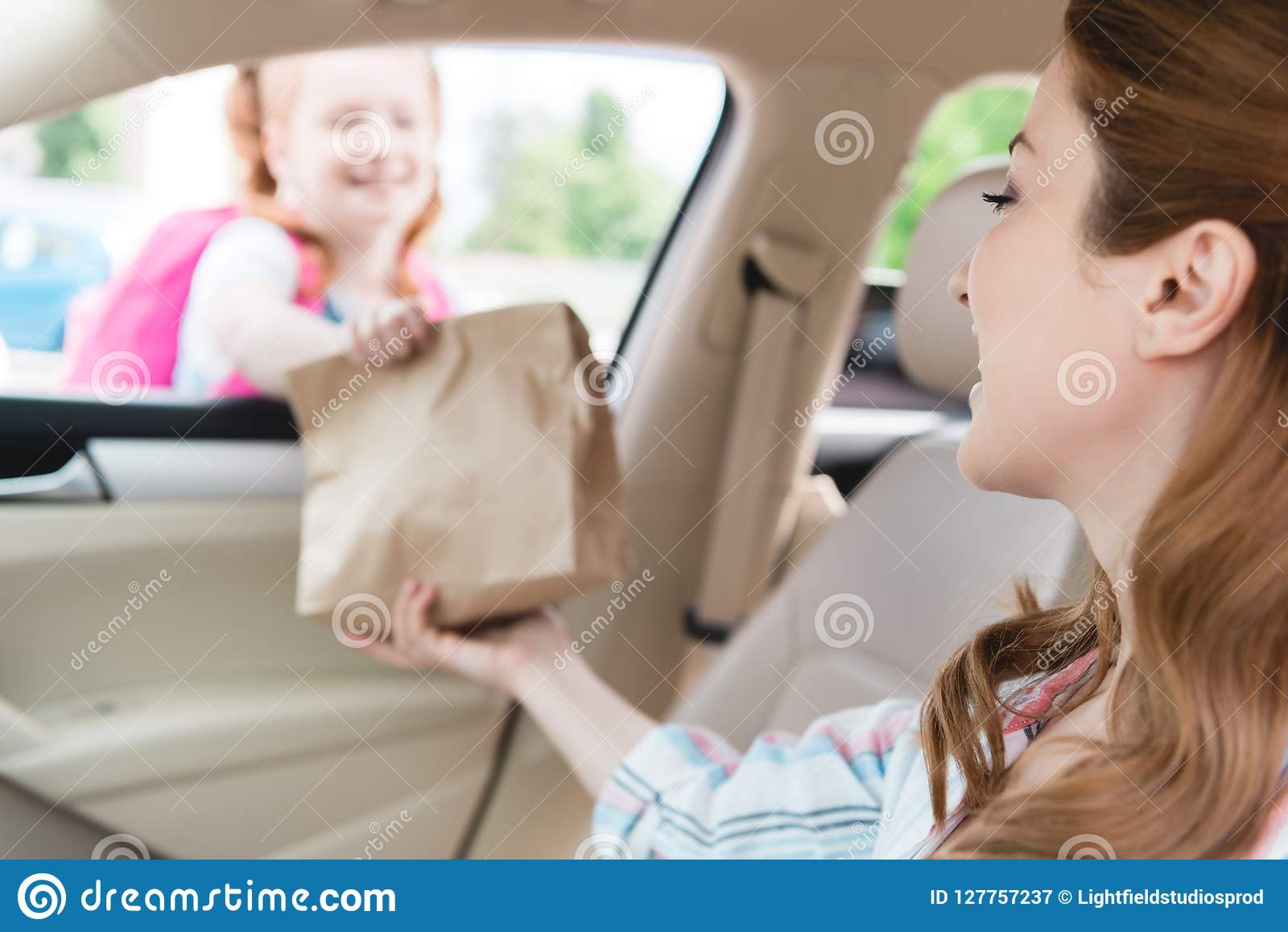 Mutter Im Auto