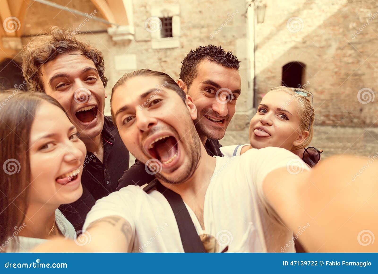 Selfie com os amigos em Milão