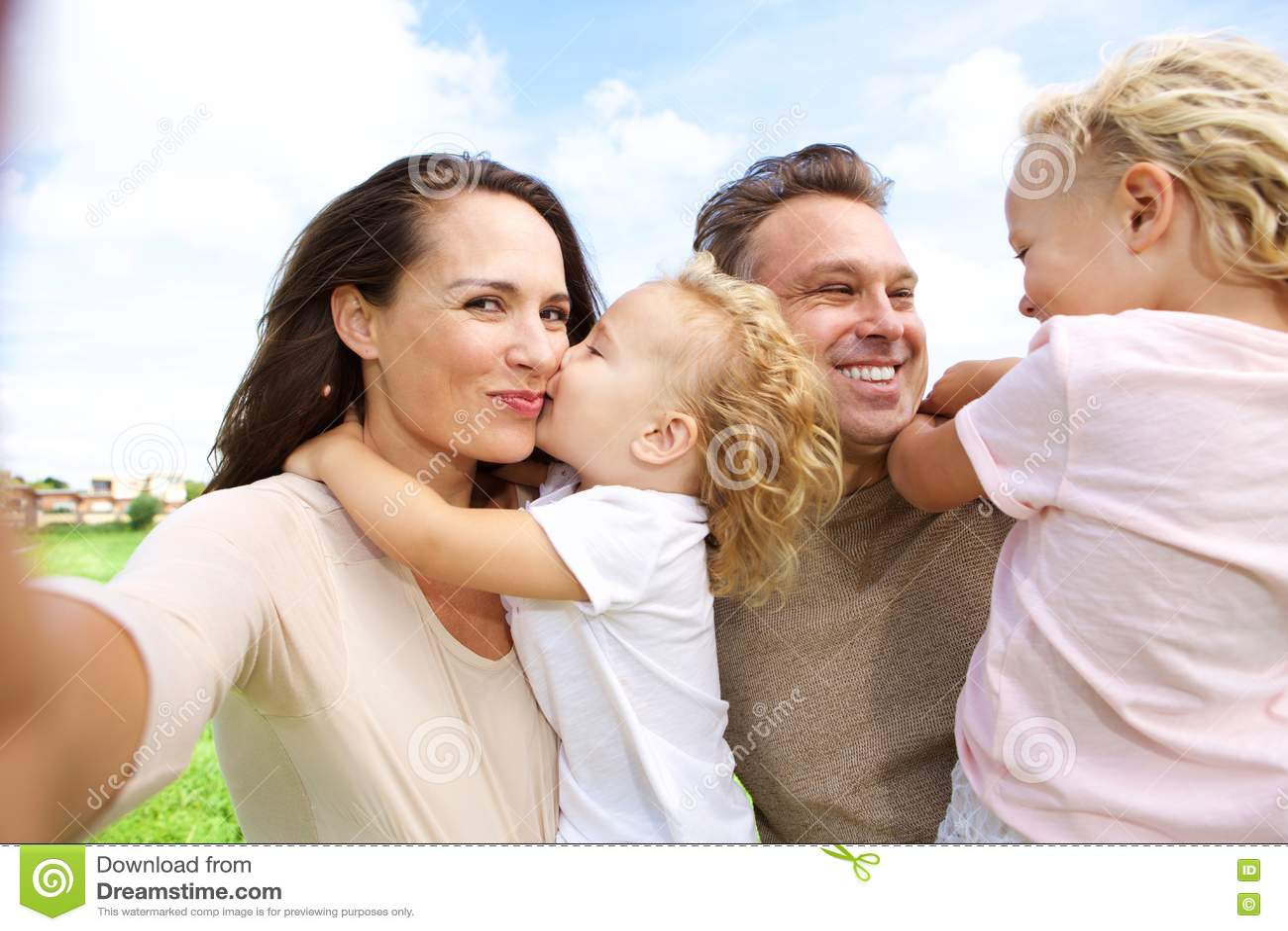 Selfie de fala da mulher de sua família fora