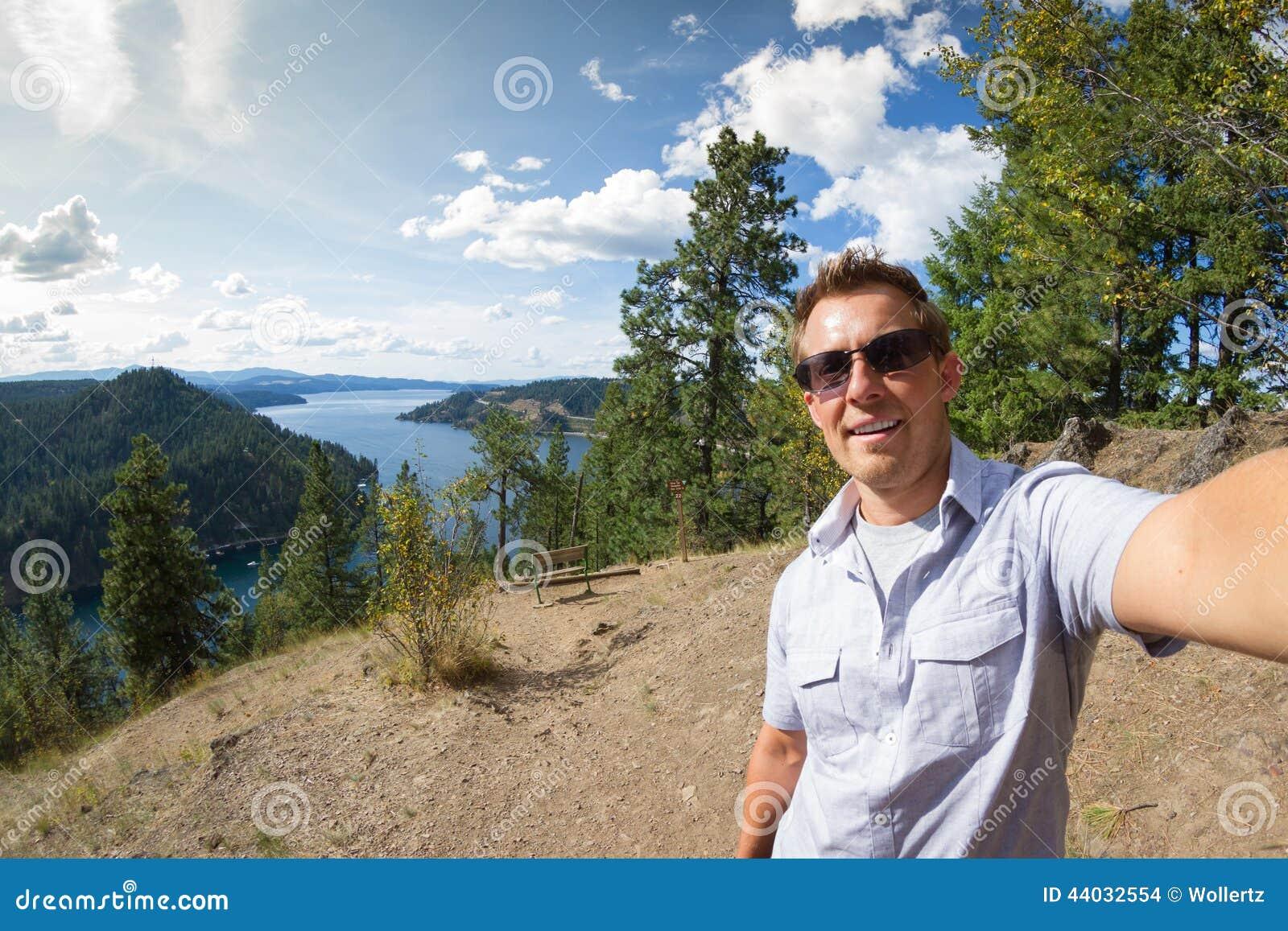 Selfie nad jeziorem