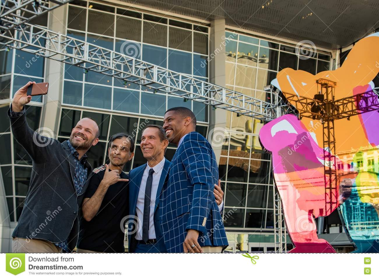 The coloring book koons - Selfie With Vivel Ranadive Kevin Johnson And Jeff Koons Editorial Stock Photo