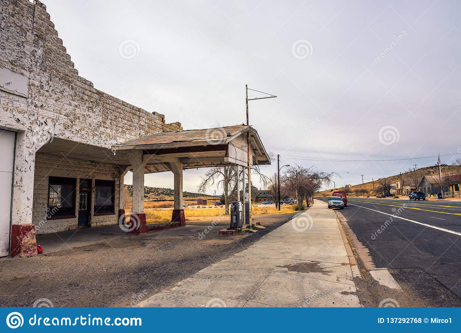 Abandoned Gas Station On Historic Route 66 In Arizona Editorial Stock Photo Image Of Route Gasoline 137292768