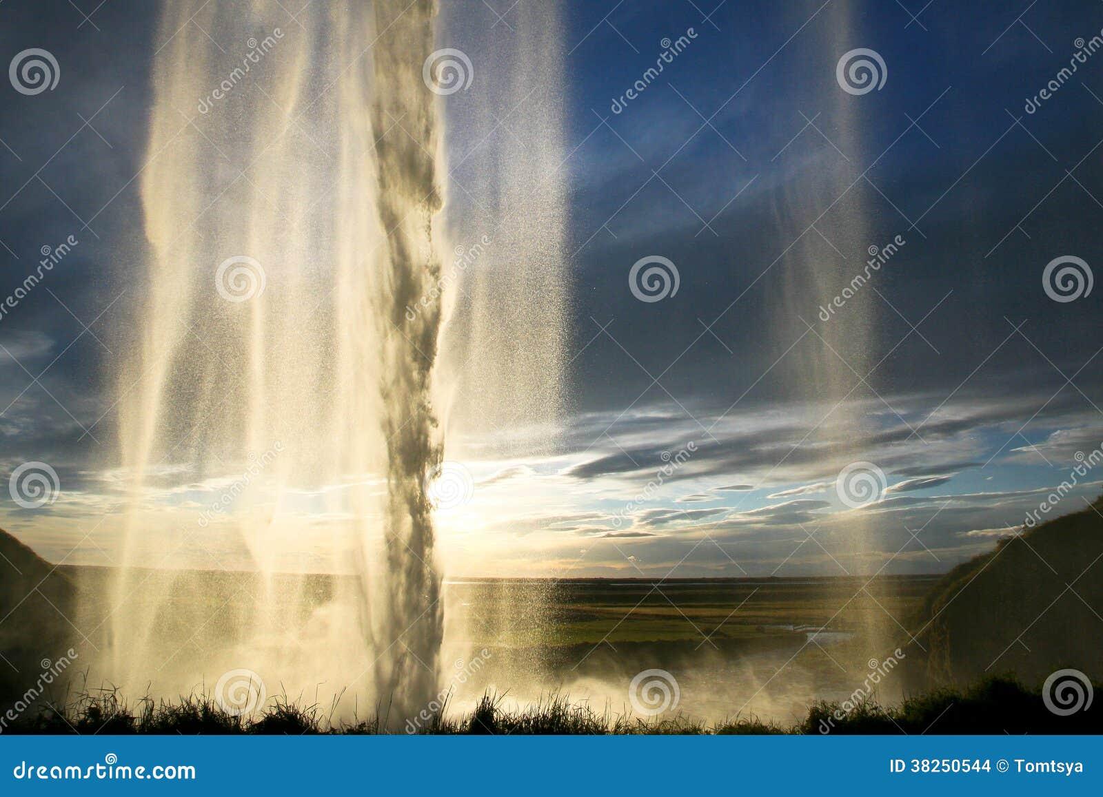 Seljalandsfoss瀑布在冰岛
