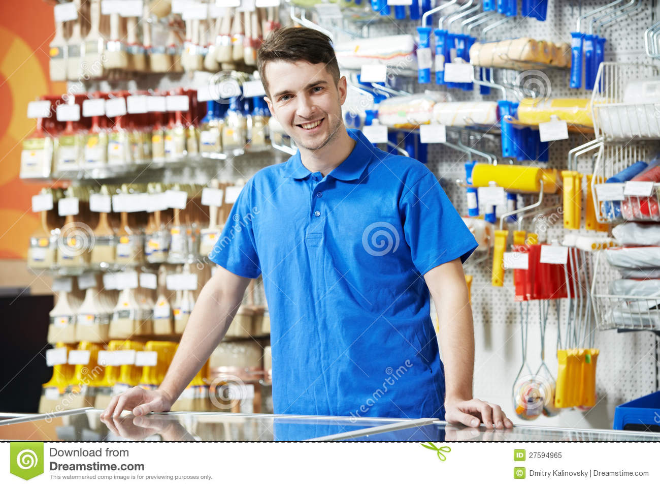 Magnificent Happy seller assistant man in DIY hardware or home improvement store. 1300 x 958 · 187 kB · jpeg