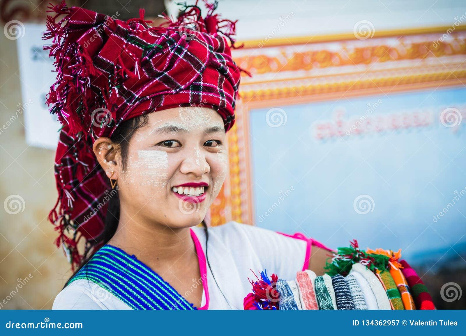 Seller Imagem colorida com uma mulher