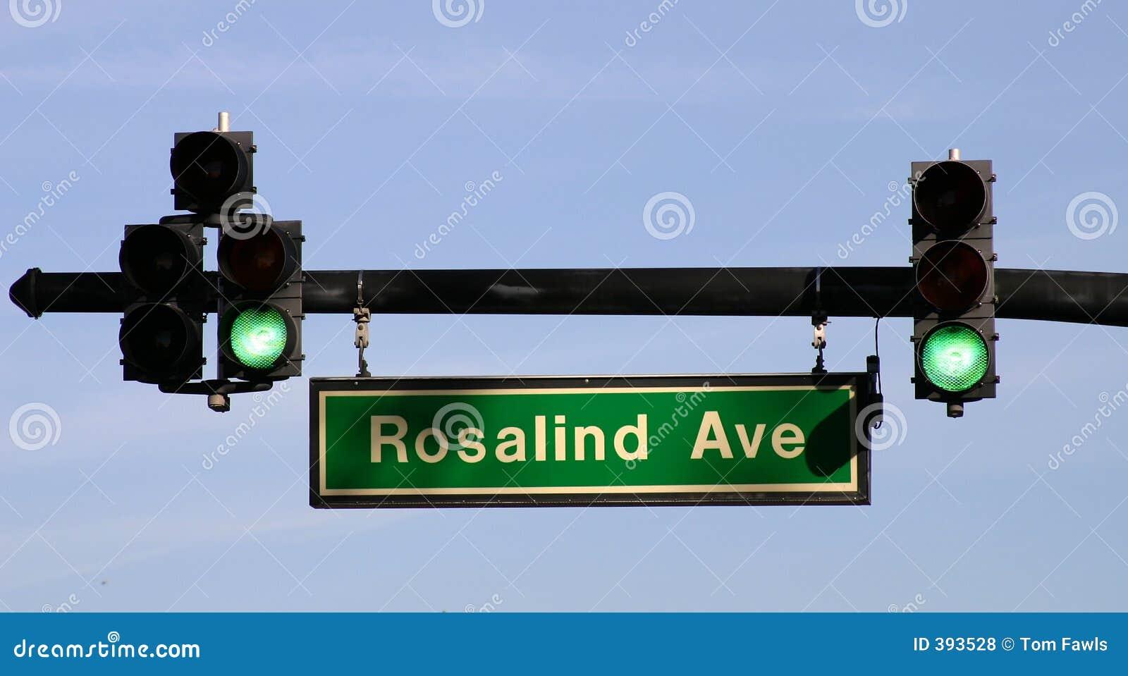Semáforo en la avenida de Rosalind - FLBusiness00040a