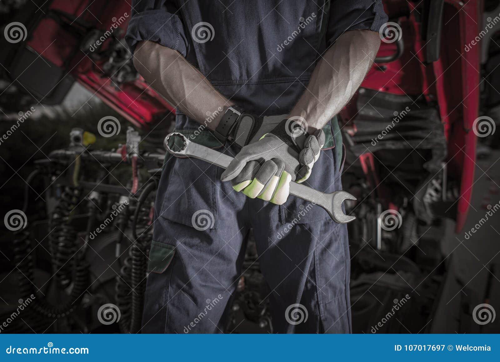 Semi Ciężarowy Pro mechanik