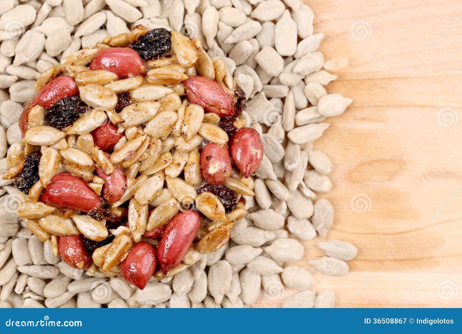 Semillas y nueces escarchadas redondas.