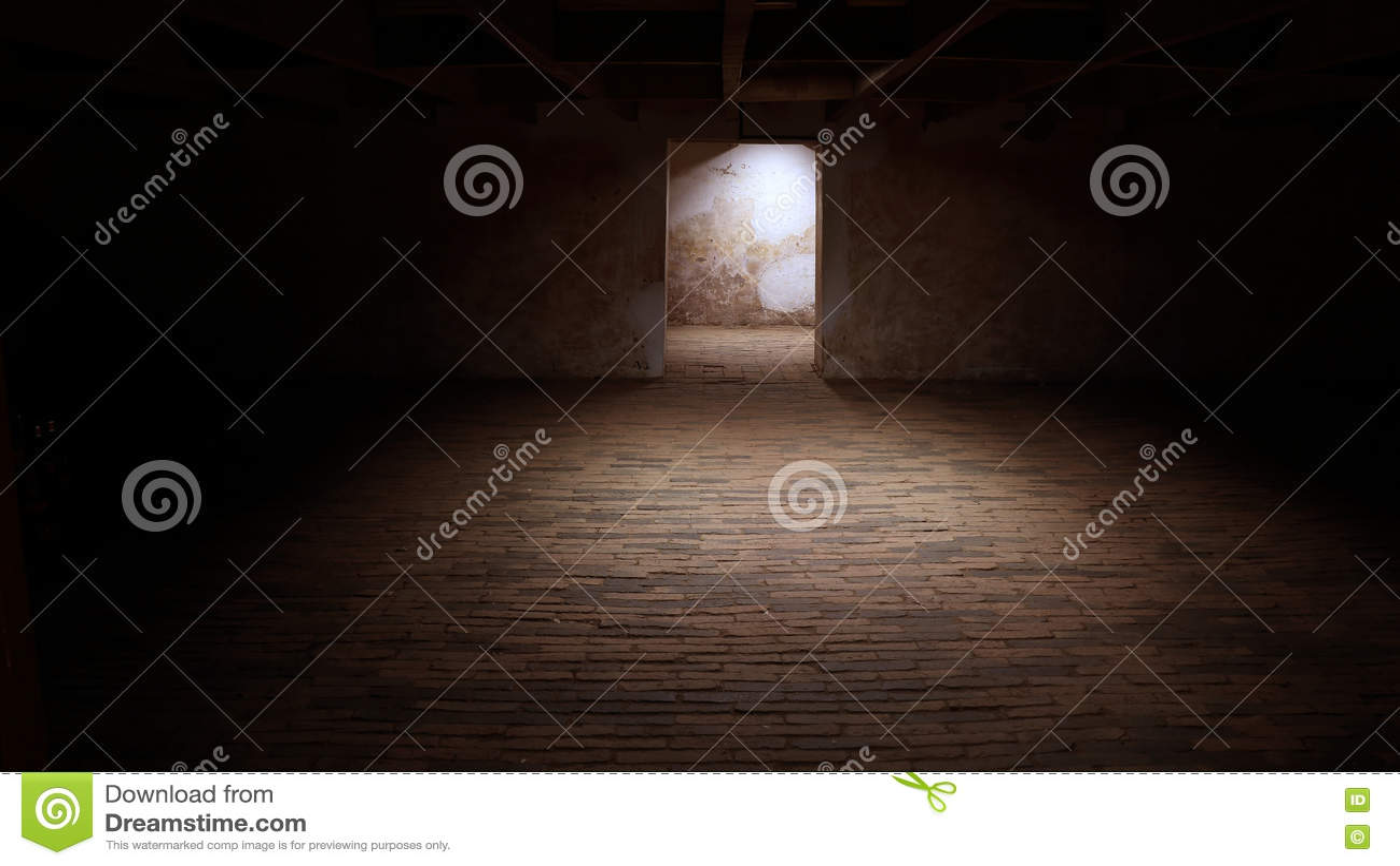 Seminterrato Vuoto In Vecchio Fabbricato Industriale ...
