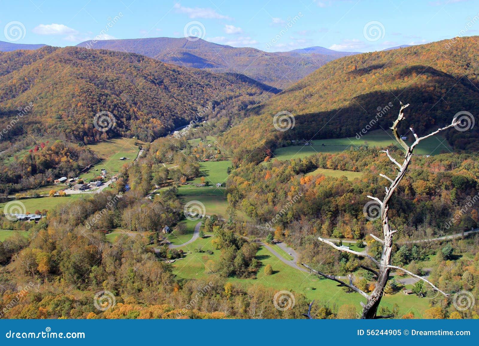 Seneca Rock In Fall Appalachian Mountains West Virginia USA - Usa virginia