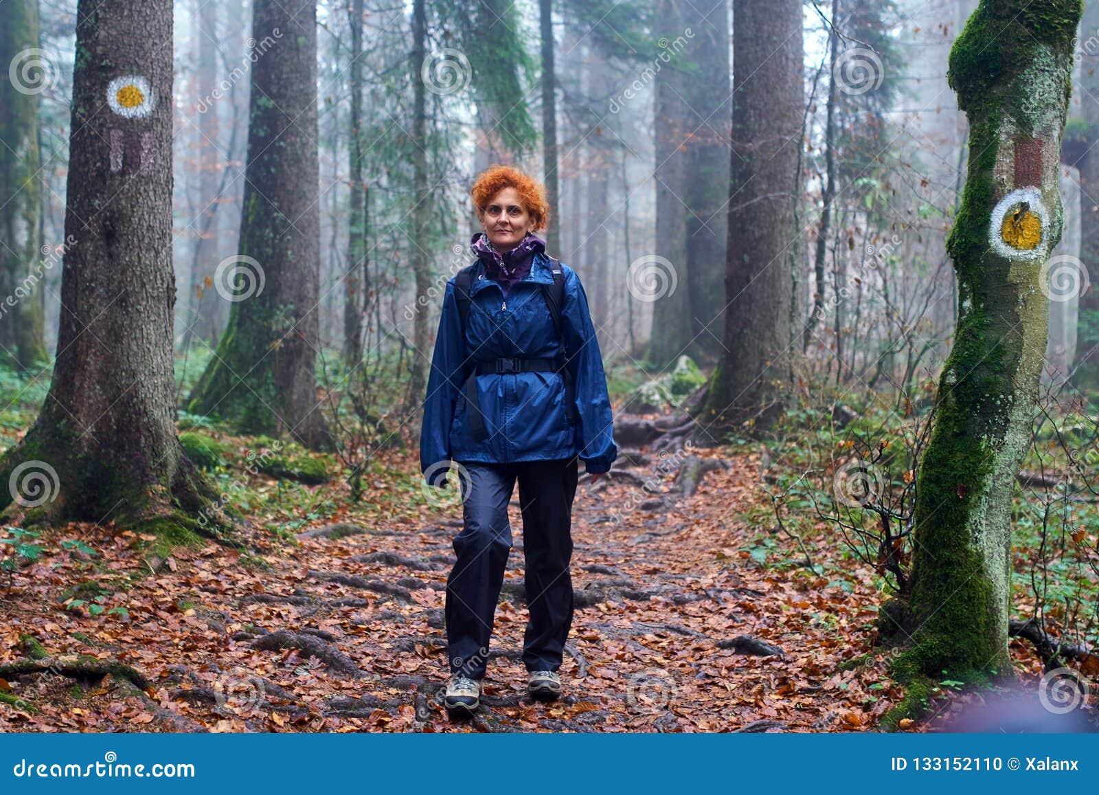 Senhora do caminhante em uma fuga marcada