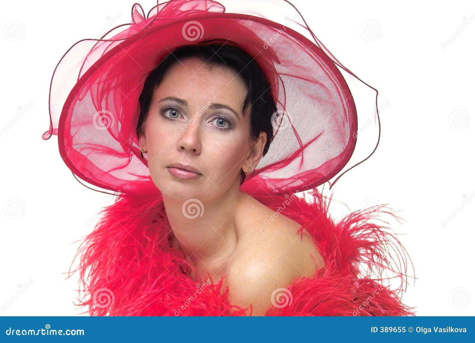 Senhora no chapéu vermelho