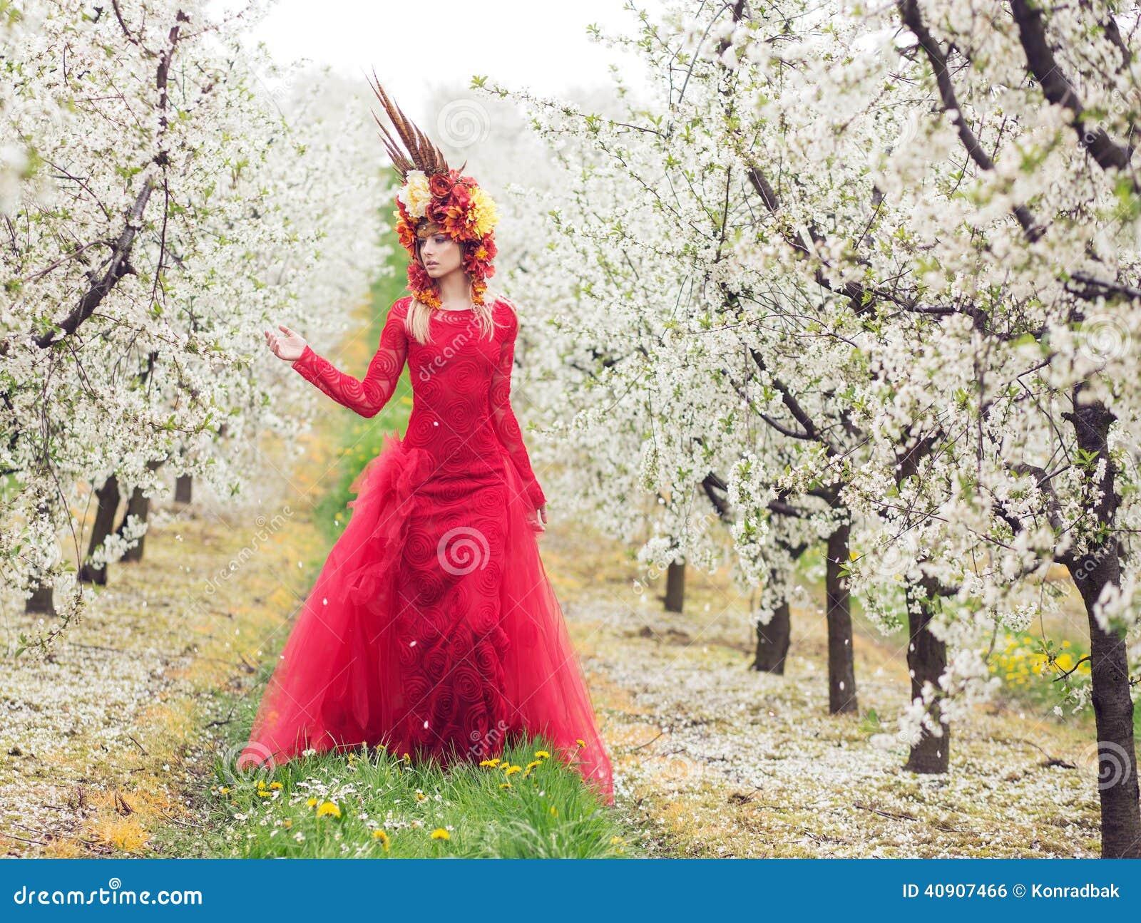 Senhora Spring no pomar de cereja