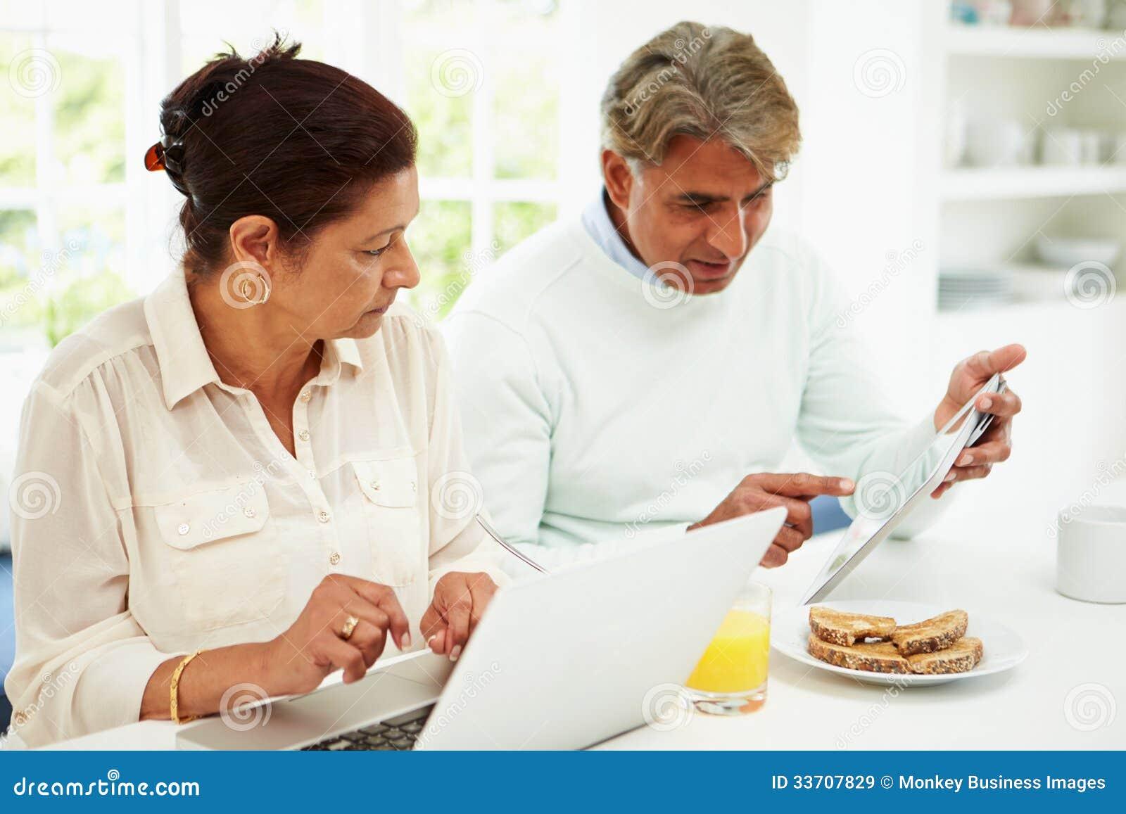 chatting for seniors