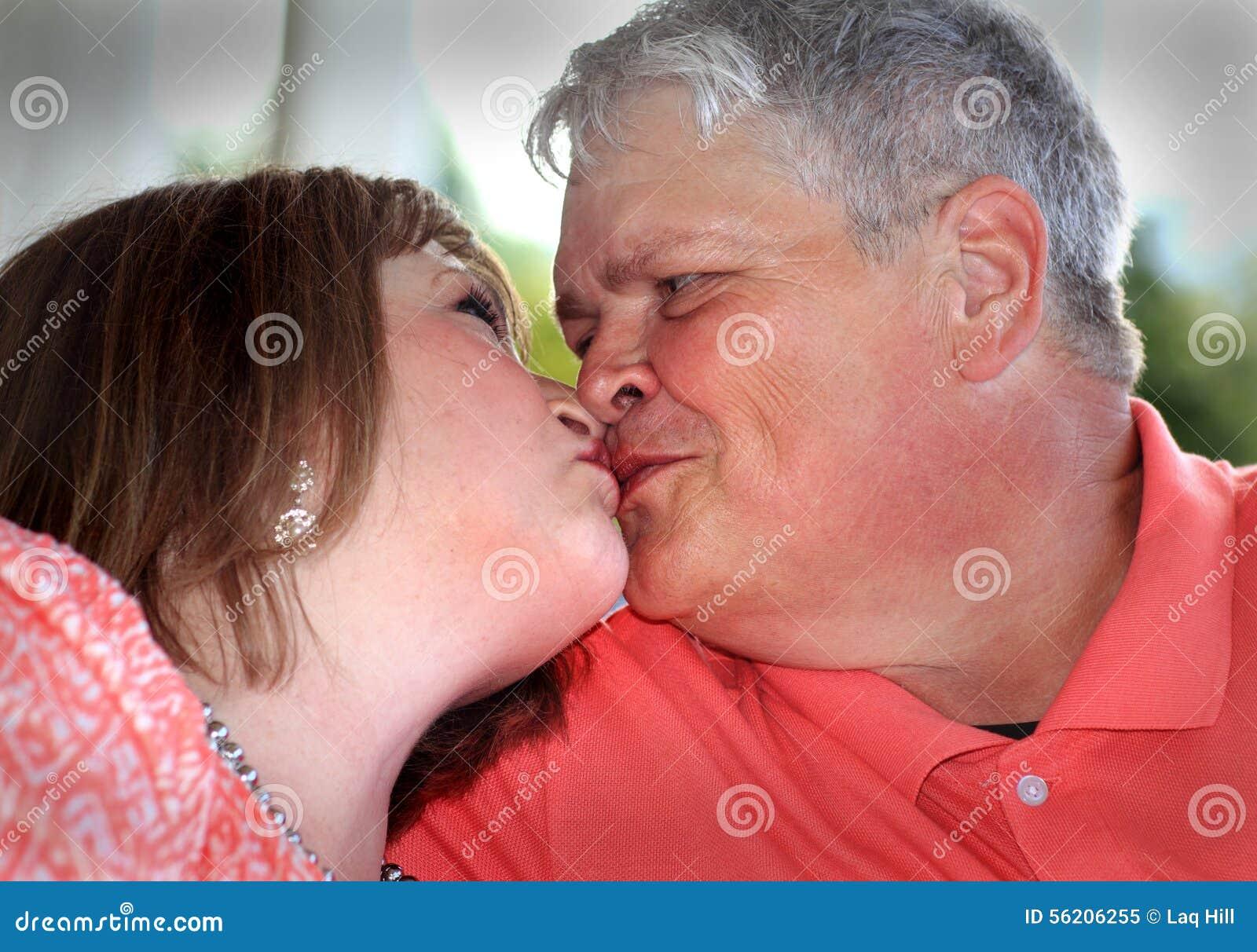 Older kiss pics