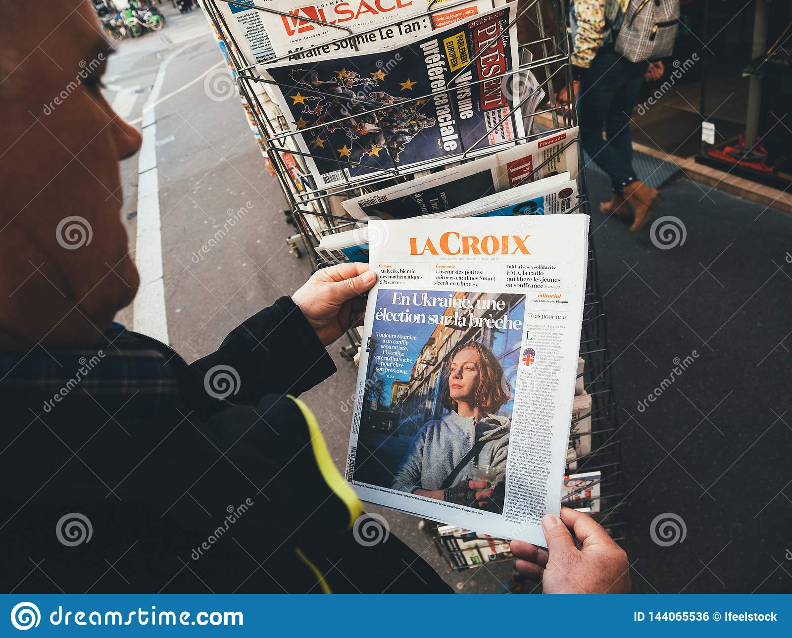 Senior Man Buying Press Newspaper Kiosk Press Elections In Ukraine Editorial Photo Image Of News Meeting 144065536