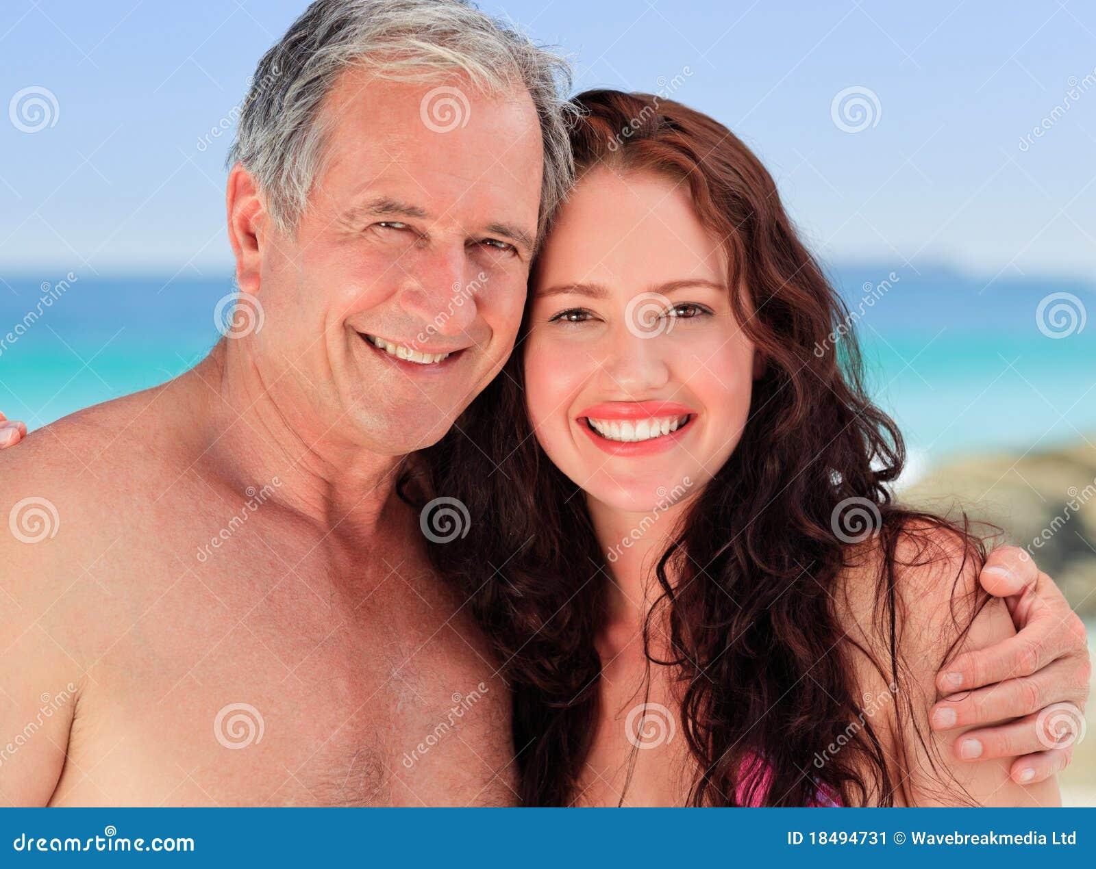 Фото пожилых мужчин и молодых девушек 14 фотография