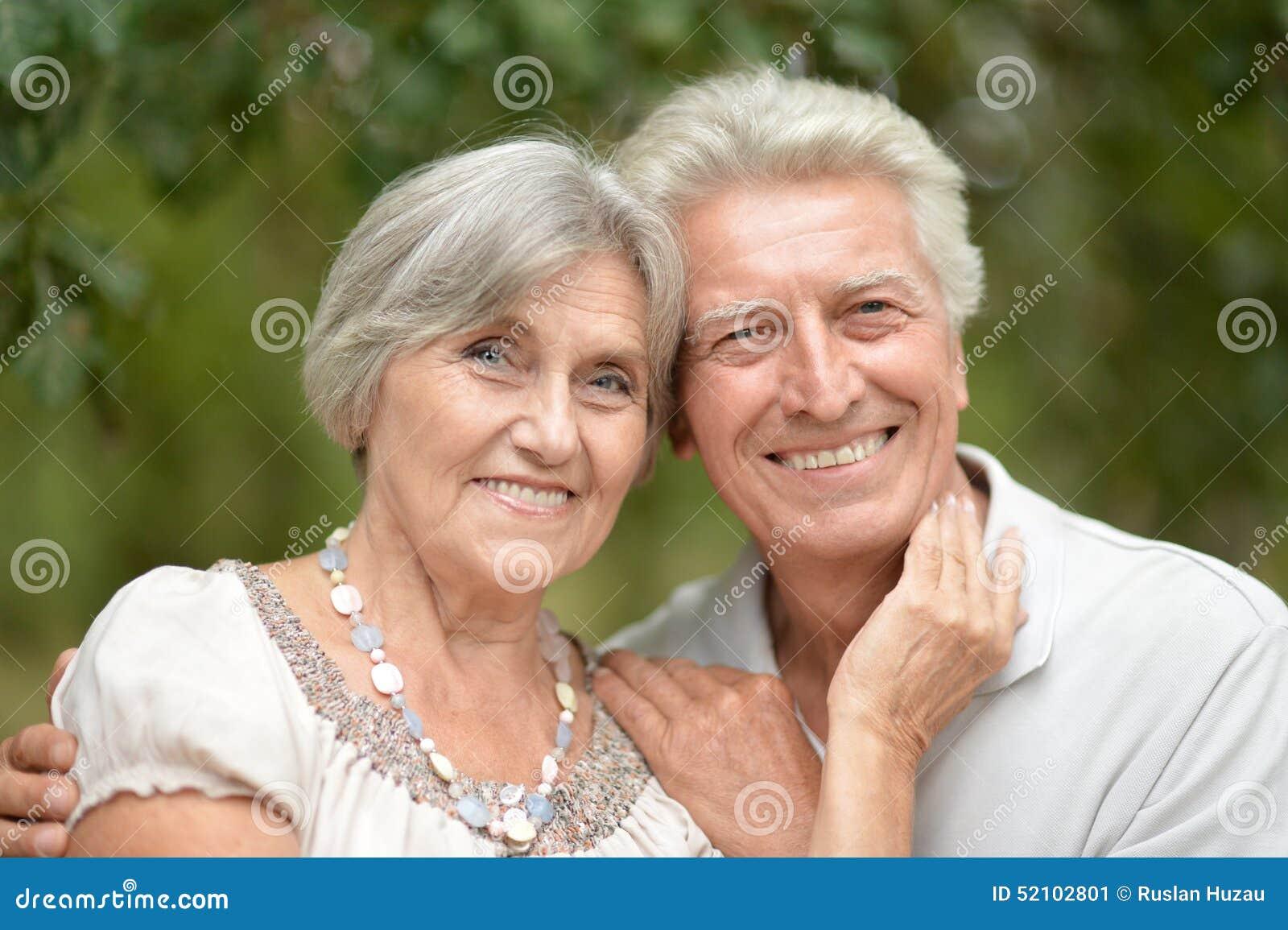 Senior szczęśliwa para