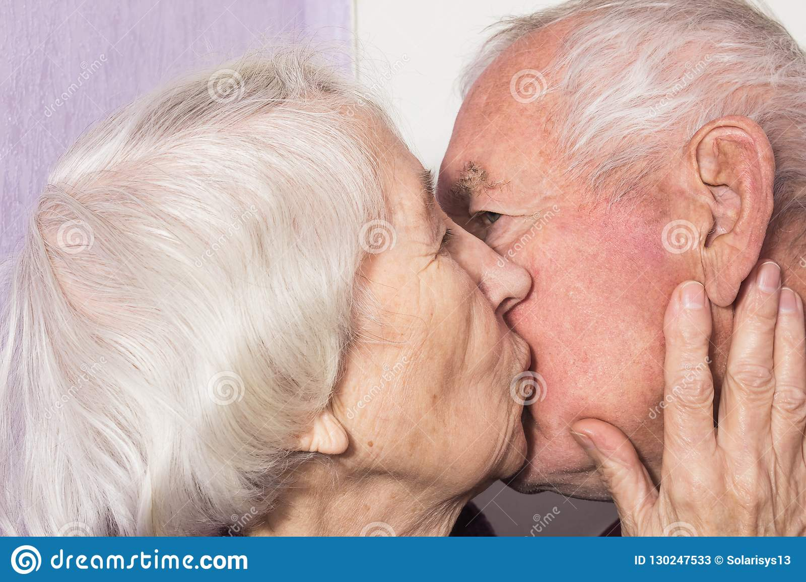 Old Woman Eats Young Pussy