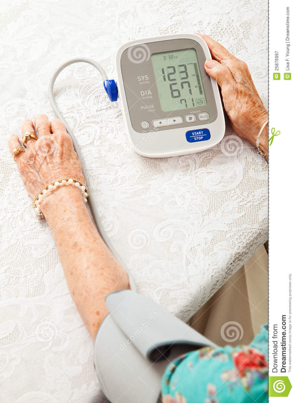 taking blood pressure 10 steps to accurate manual blood pressure measurement monday, 27 july 2009 a 24 hour blood pressure study may be required to assess the patient's overall blood pressure profile take this with youdownload a free e-book 10 steps to accurate manual bp measurement.