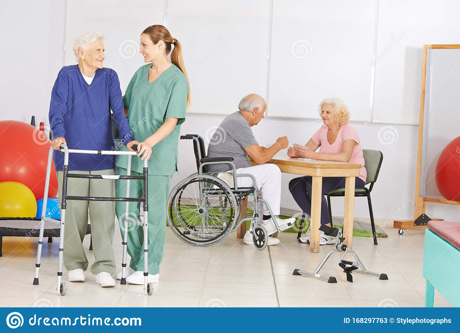 Seniors With A Nurse In A Retirement Home Stock Image Image Of Disease Group 168297763