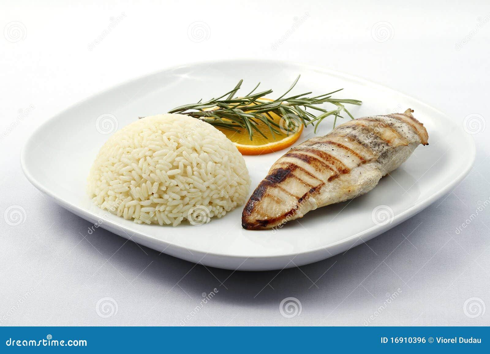 petto di pollo cotto e dieta di uova di asparagi