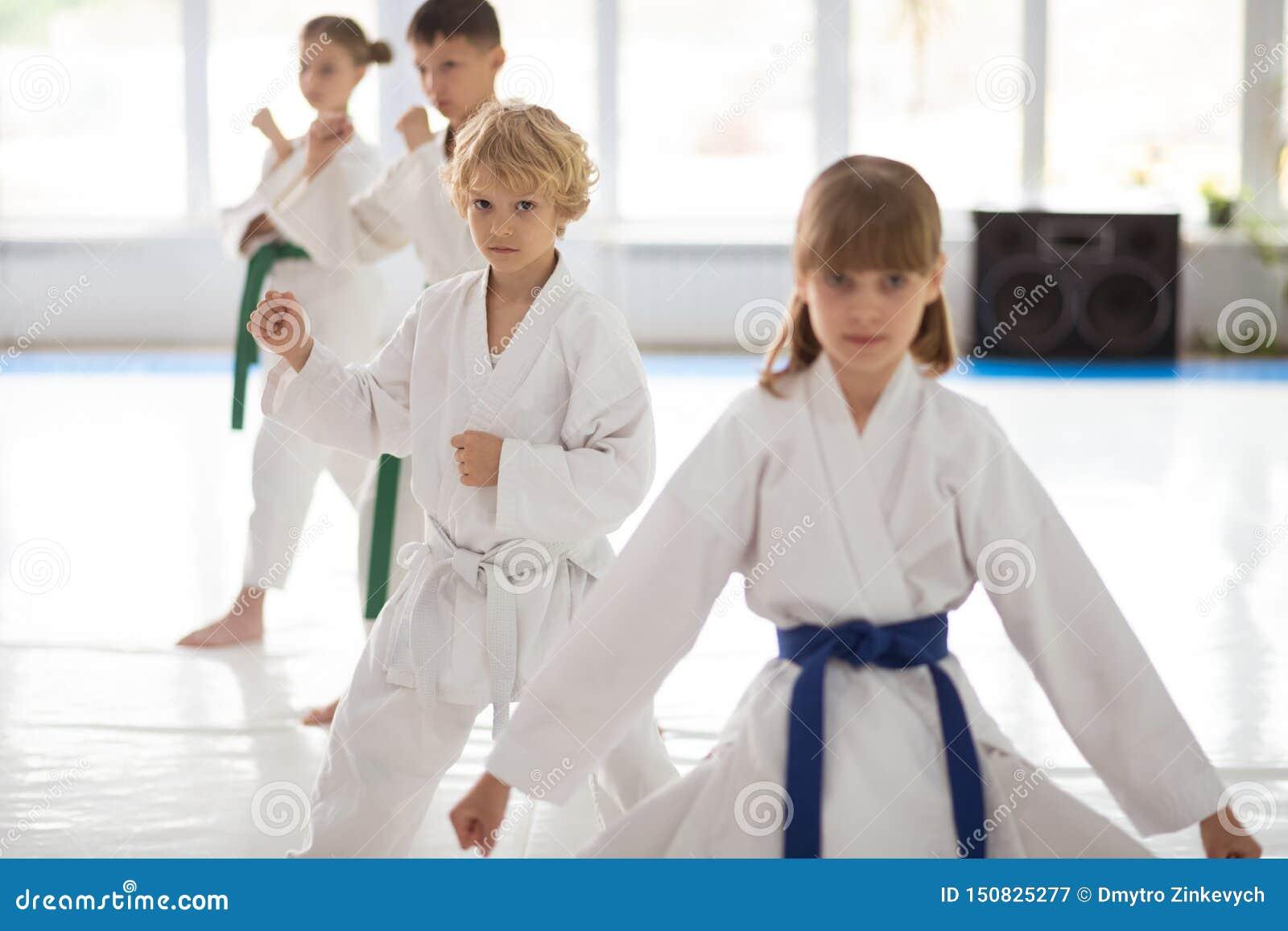 Sensibilità dei bambini in questione in arti marziali di pratica