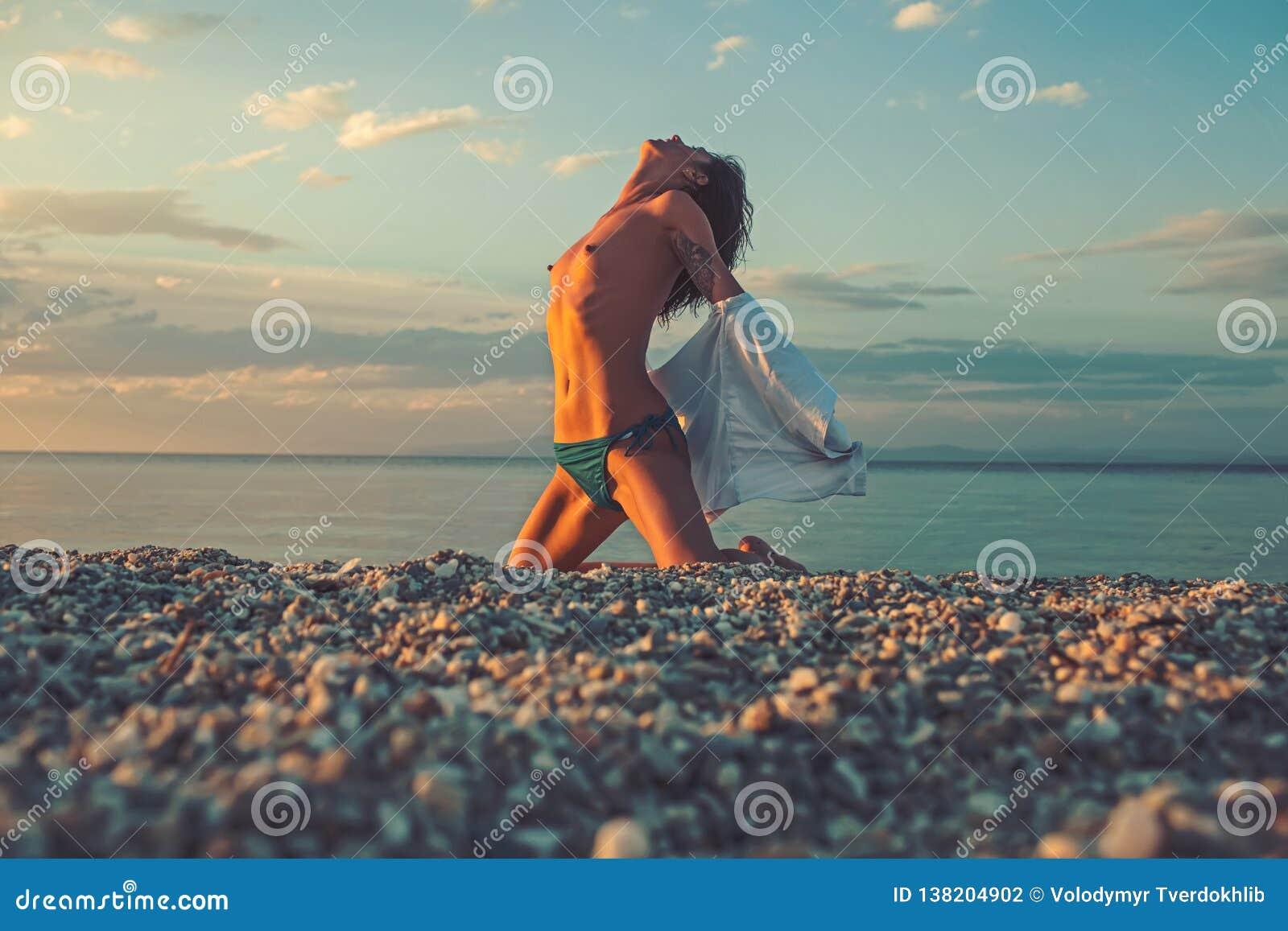 Girls beach naked Nude Beach