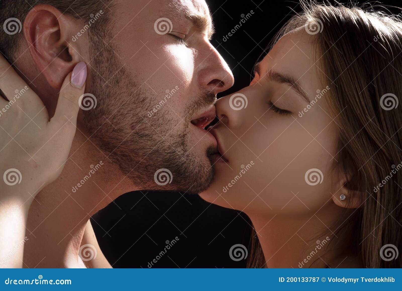 Hot Sexy Couple Kiss